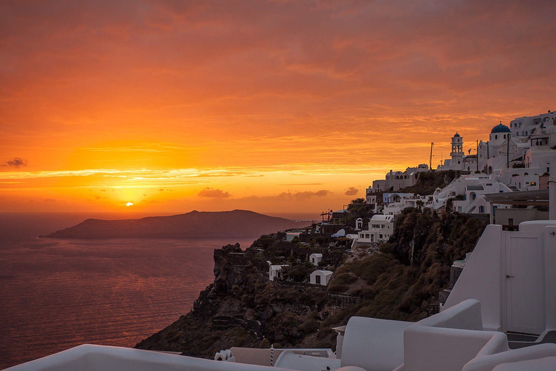 Breathtaking Sunsets in Santorini 2019 - Best Time