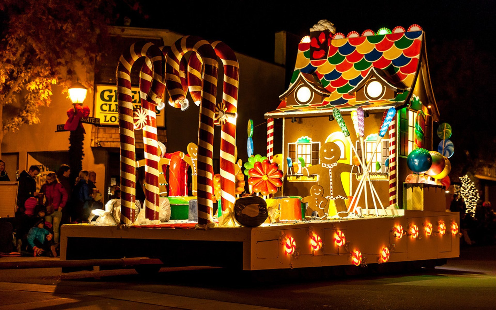 Best time to see Los Altos Festival of Lights Parade in California 2020