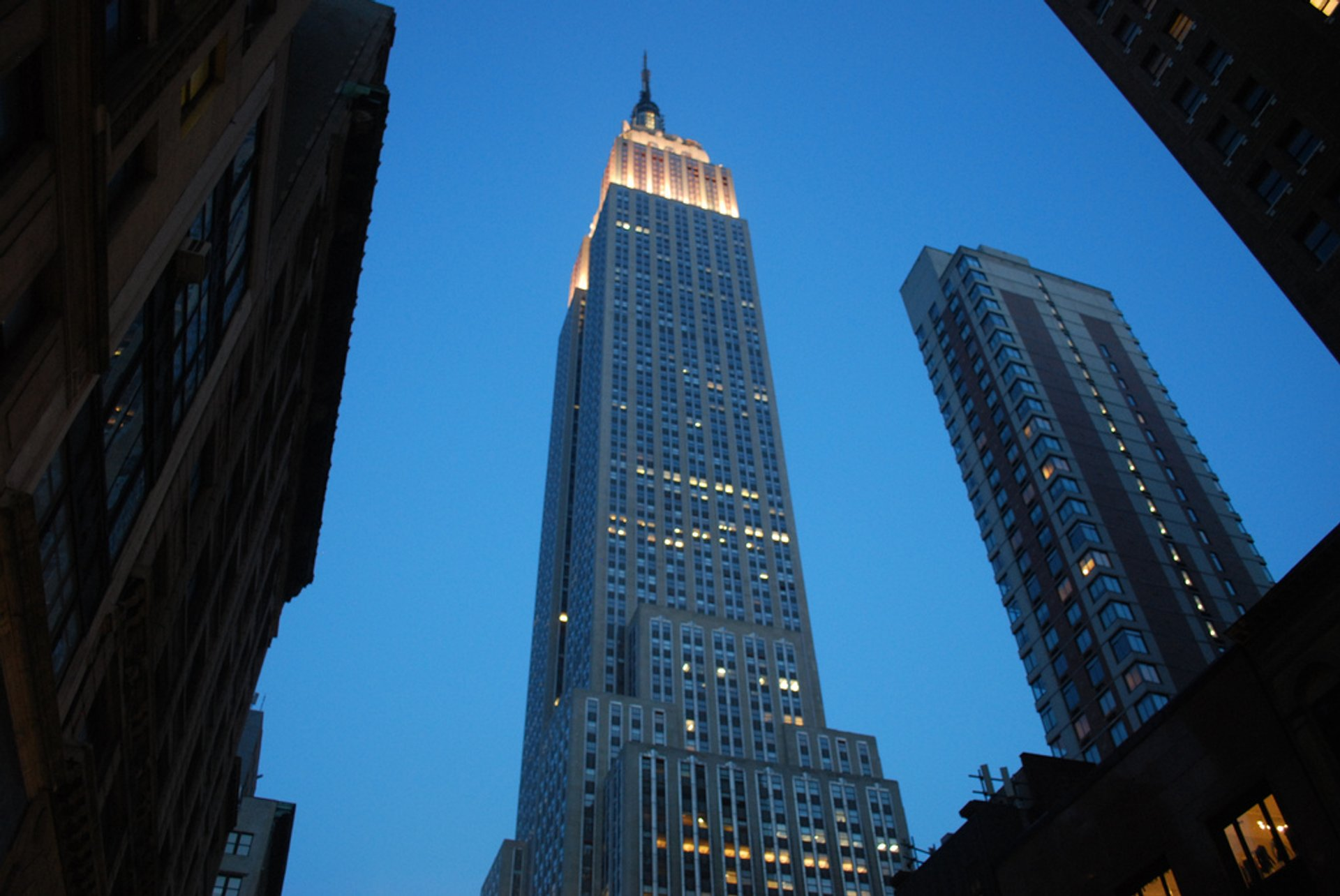 Best time for Empire State Building in New York 2020