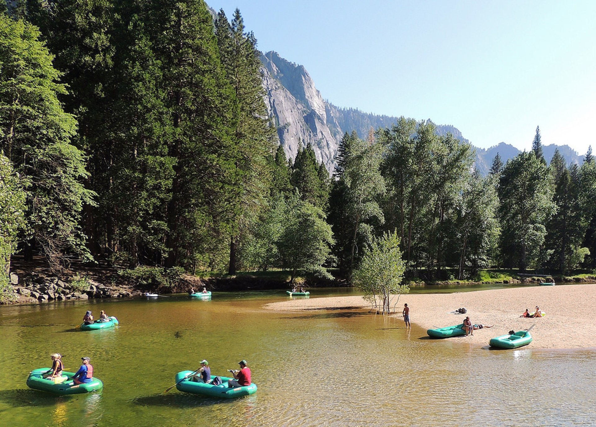 Rafting Along the Merced River in Yosemite 2020 - Best Time