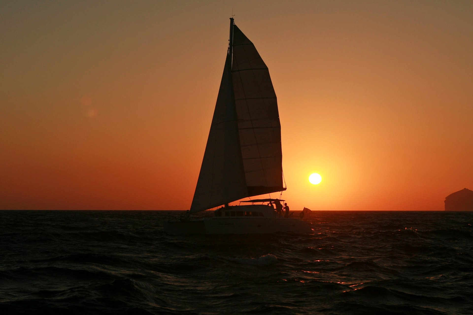 Sailing Season in Santorini 2020 - Best Time