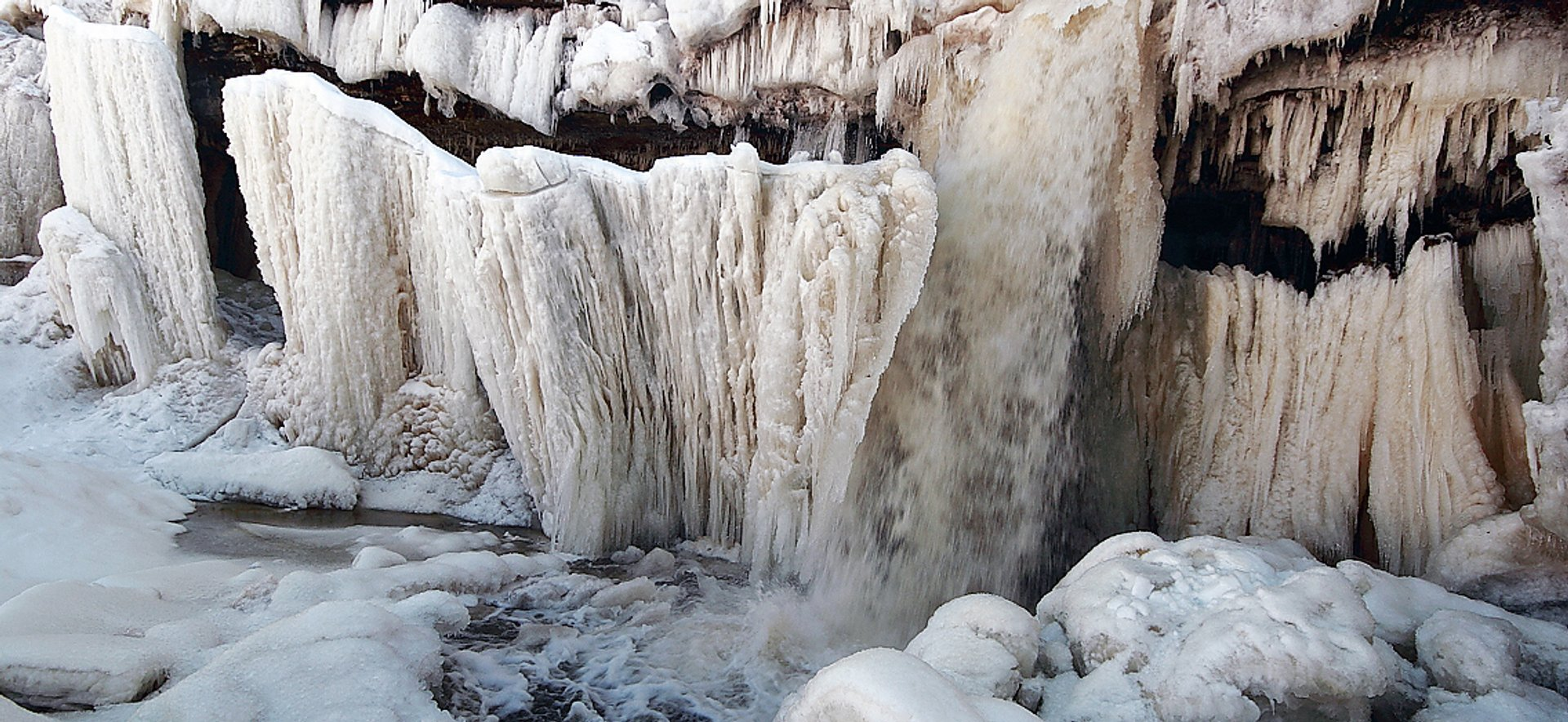 Best time to see Frozen Waterfalls in Estonia 2019