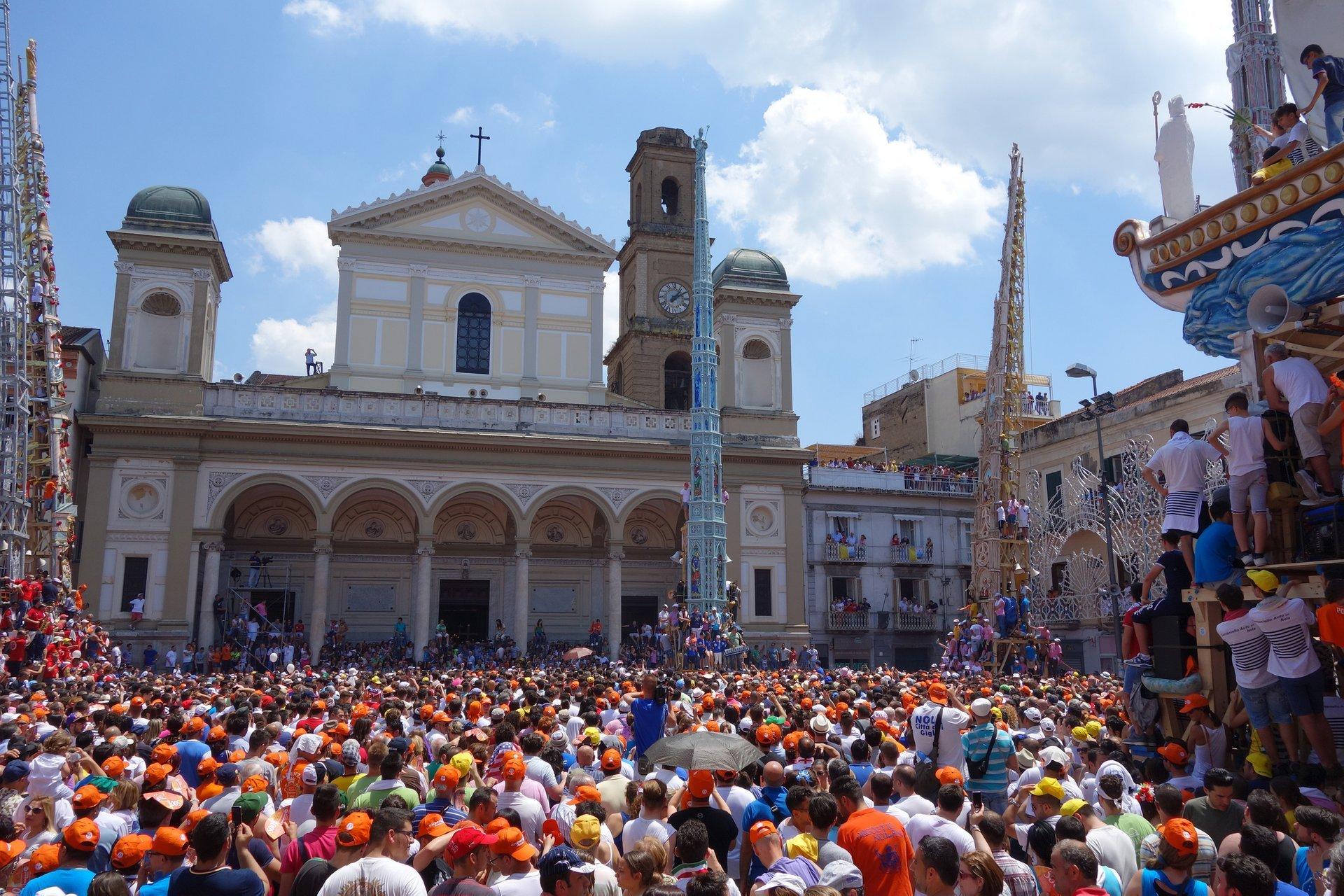 Festa dei Gigli in Nola in Naples and Pompeii - Best Season 2020