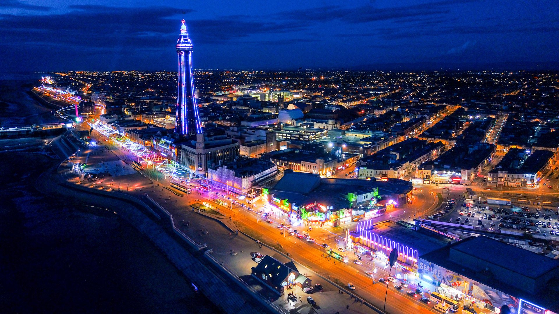 Blackpool Illuminations in England 2020 - Best Time