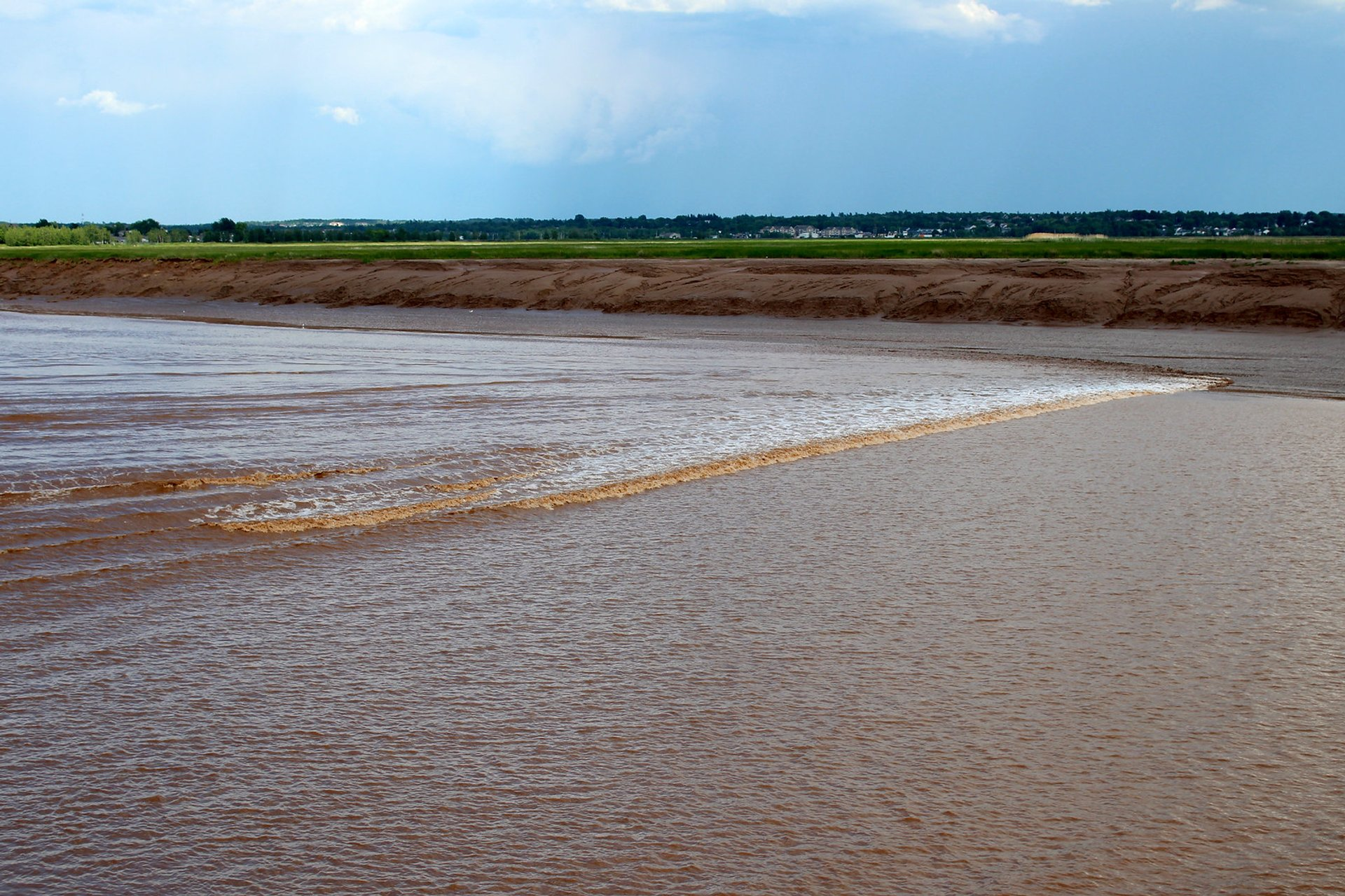 Moncton Tidal Bore Surfing & Viewing in New Brunswick - Best Season 2020