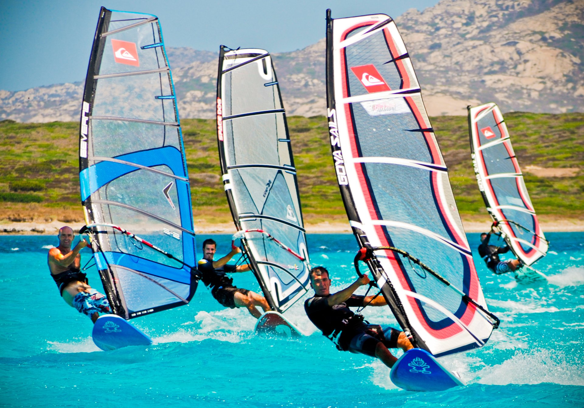 Kitesurfing & Windsurfing in Italy 2020 - Best Time