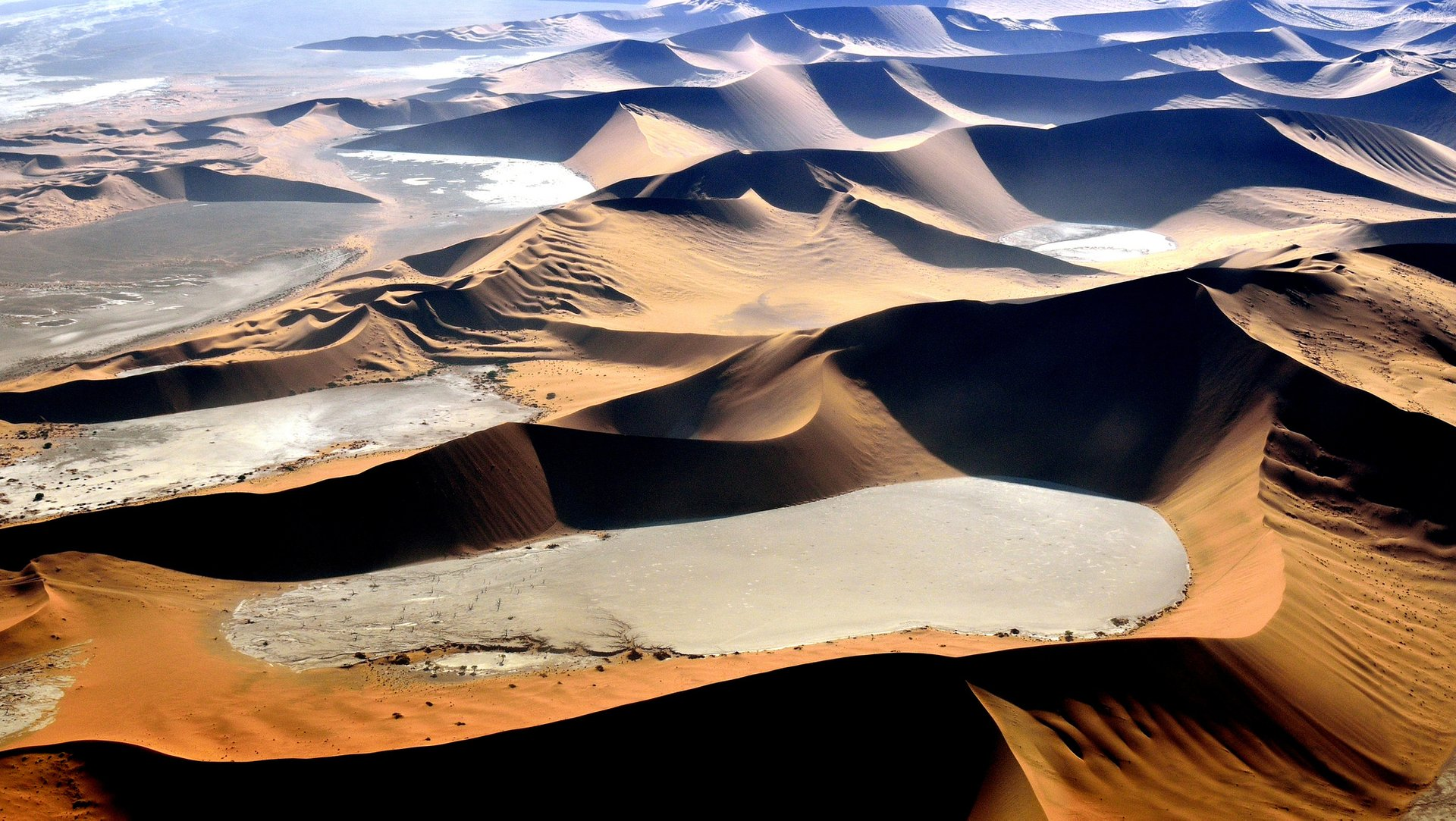 Best time for Wind Cathedral in Namibia