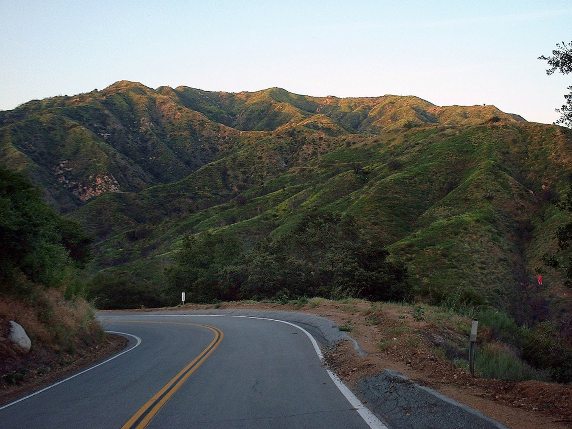 Glendora Mountain Road in California - Best Season 2020