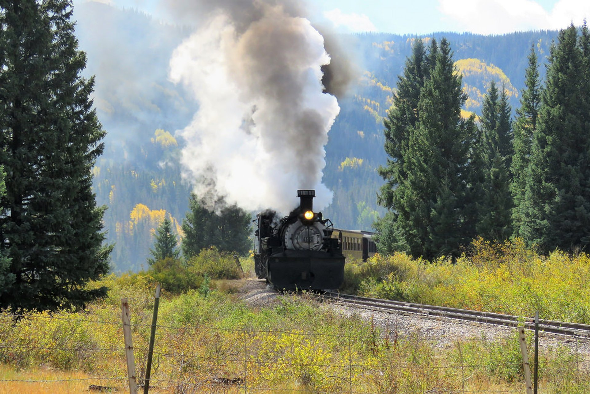 Cumbres & Toltec Scenic Railroad in Colorado - Best Season 2020