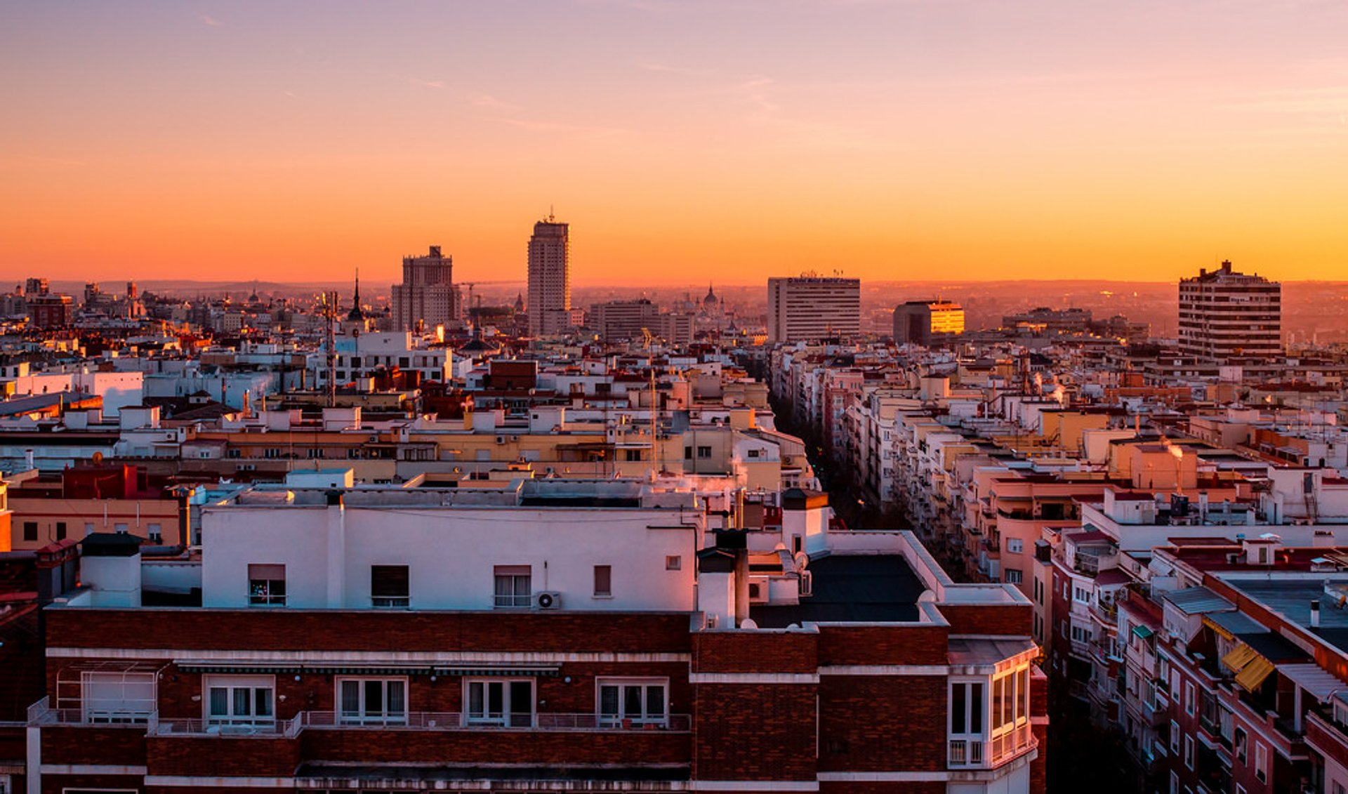 Best time for Rooftop Terraces at Sunset in Madrid 2020