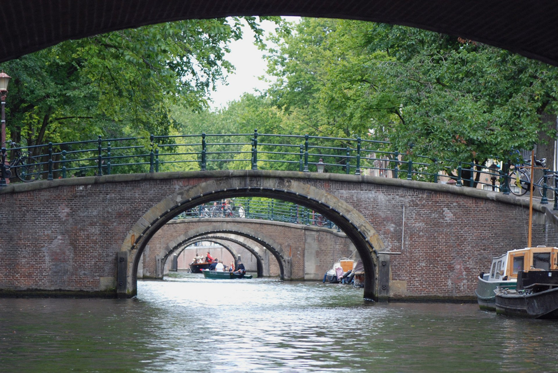 Best time for Canal Cruising in Amsterdam