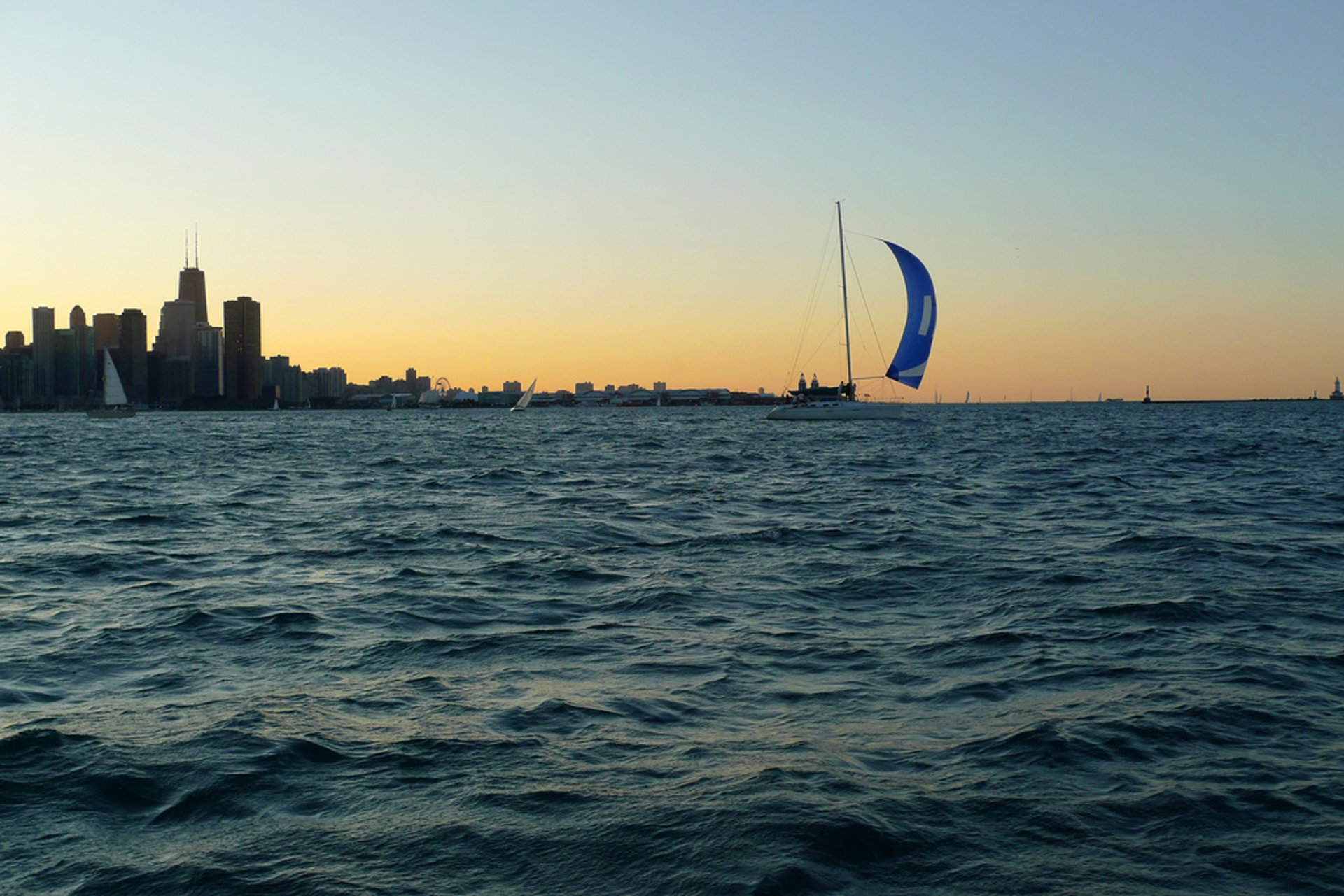 Sailing Season in Chicago 2020 - Best Time