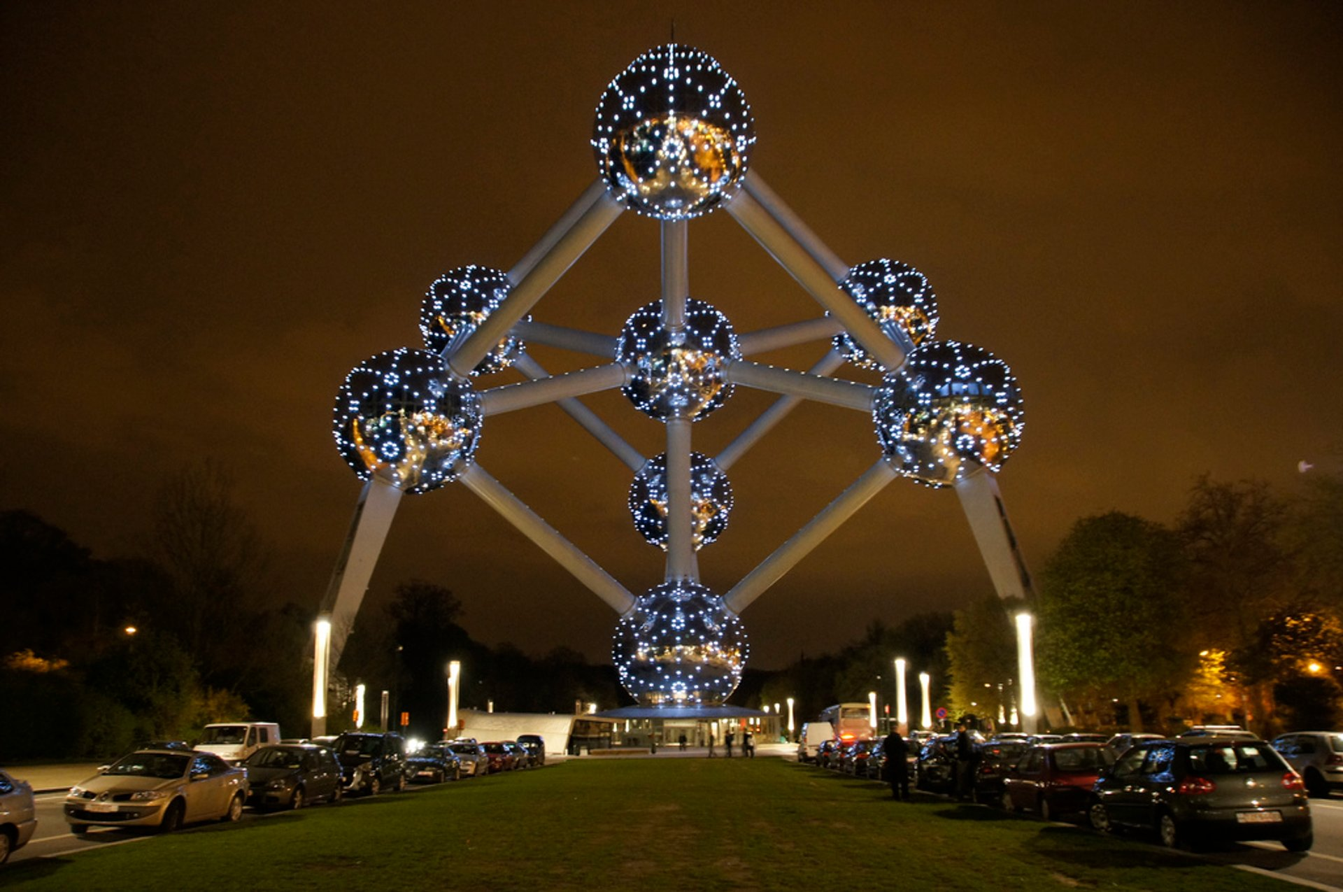Best time for Atomium in Brussels 2020
