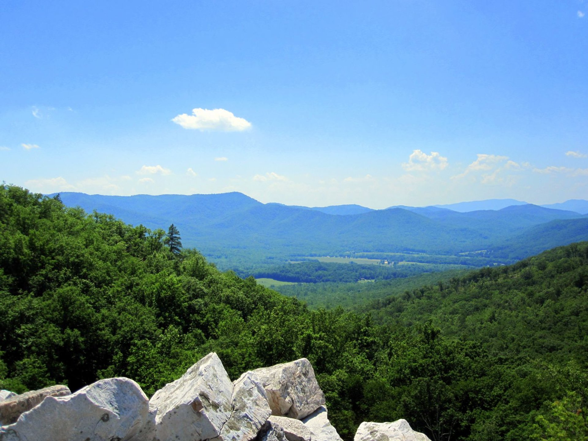 Devil's Marbleyard in Virginia - Best Season 2020