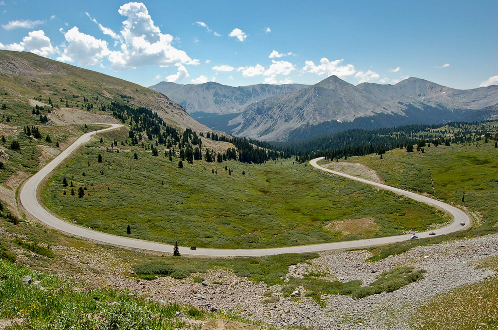 Cottonwood Pass Road in Colorado 2019 - Best Time