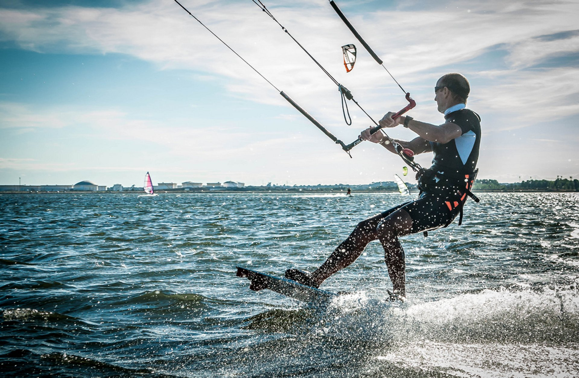 Kitesurfing and Windsurfing in Provence & French Riviera - Best Time