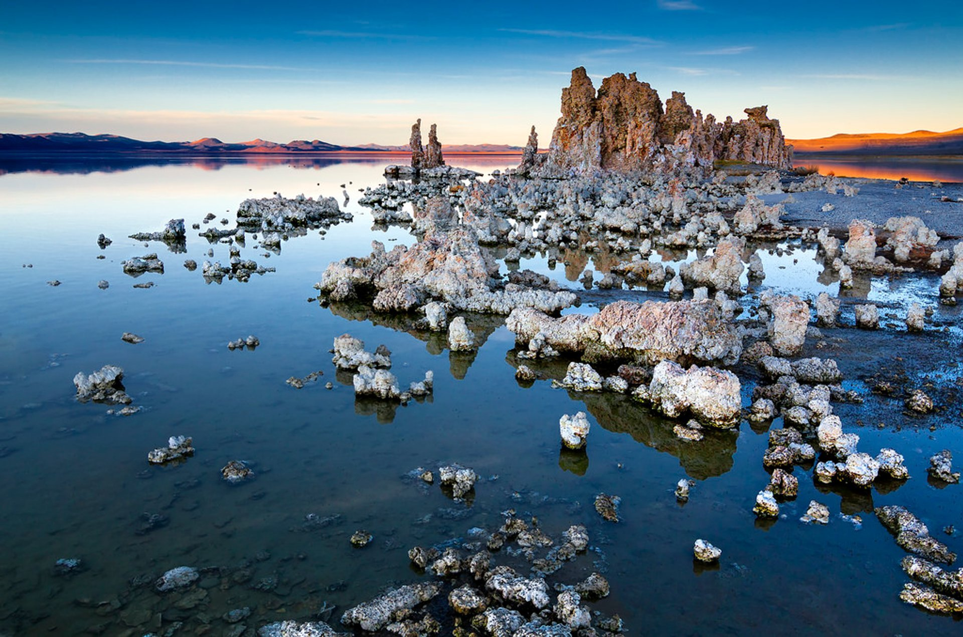 Tufa Towers of Mono Lake in California - Best Time