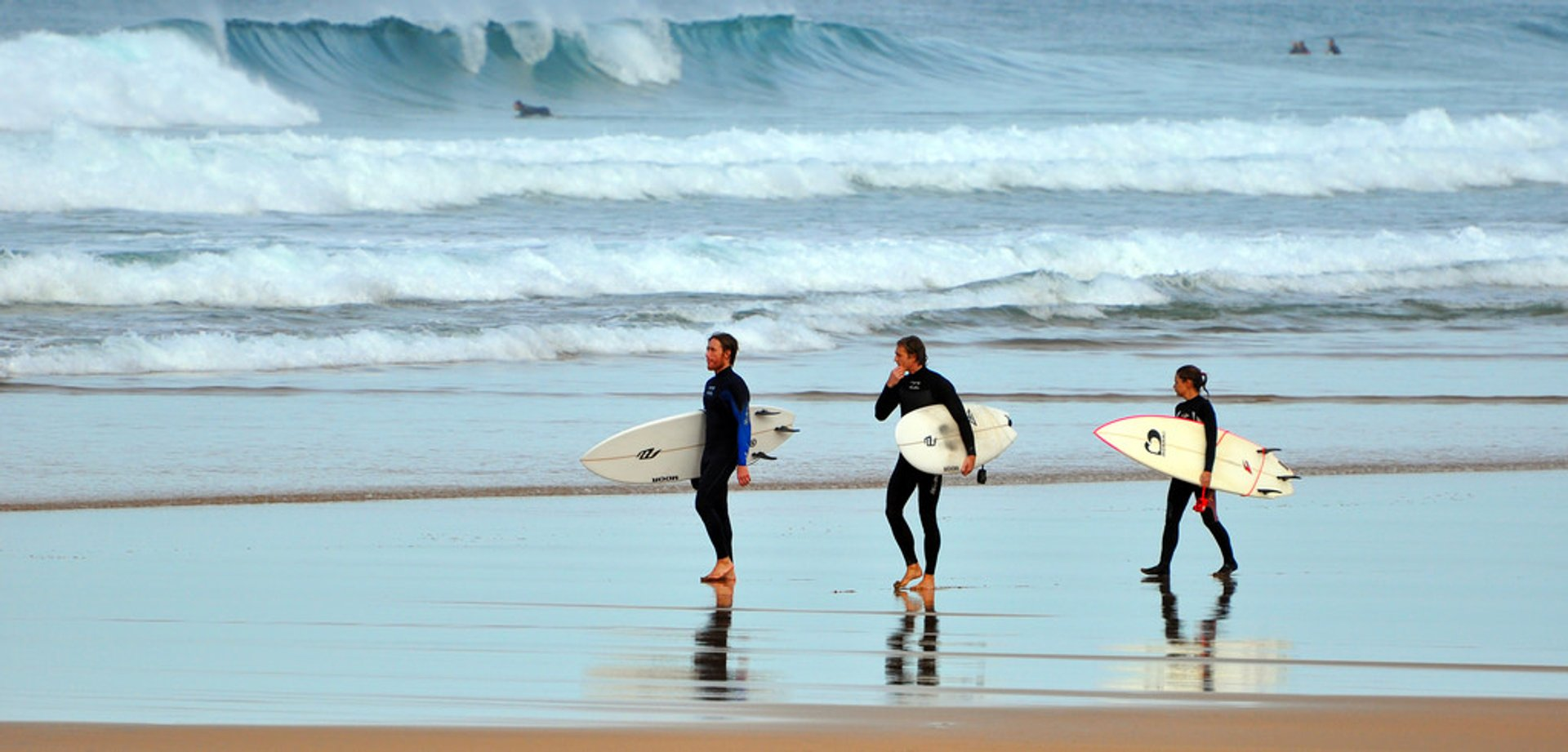 Surfing in Zarautz in Basque Country - Best Season 2020