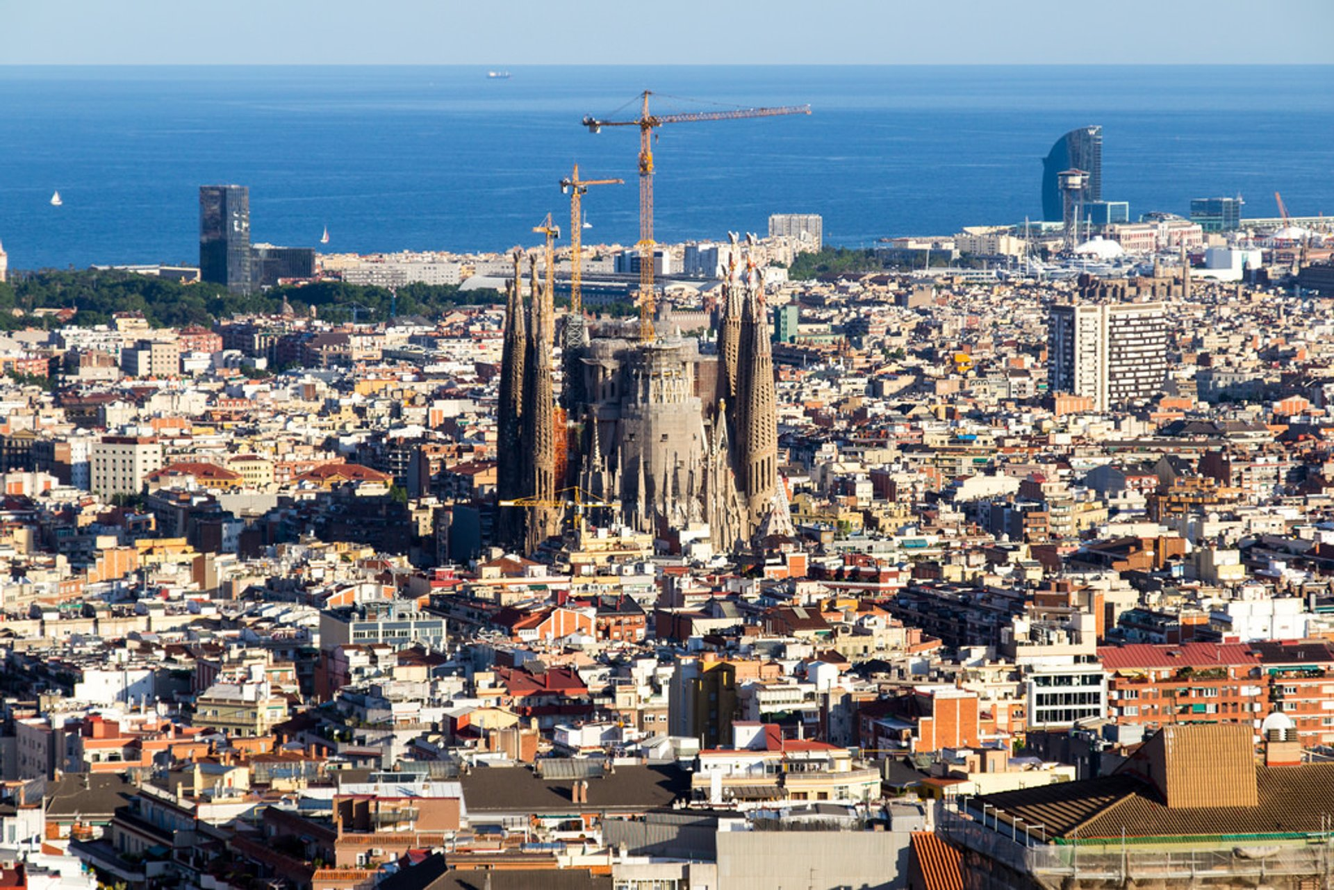 Sagrada Familia in Barcelona - Best Season 2020