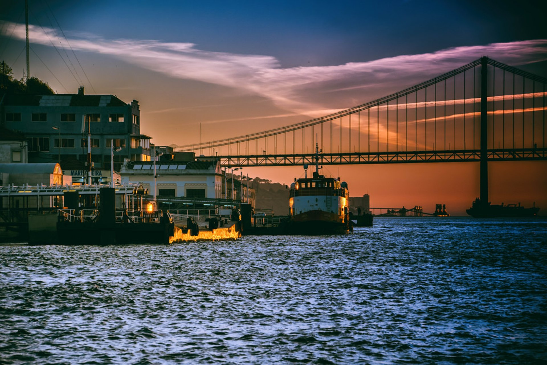 Best time to see Tagus River Sunset Cruise in Lisbon 2020