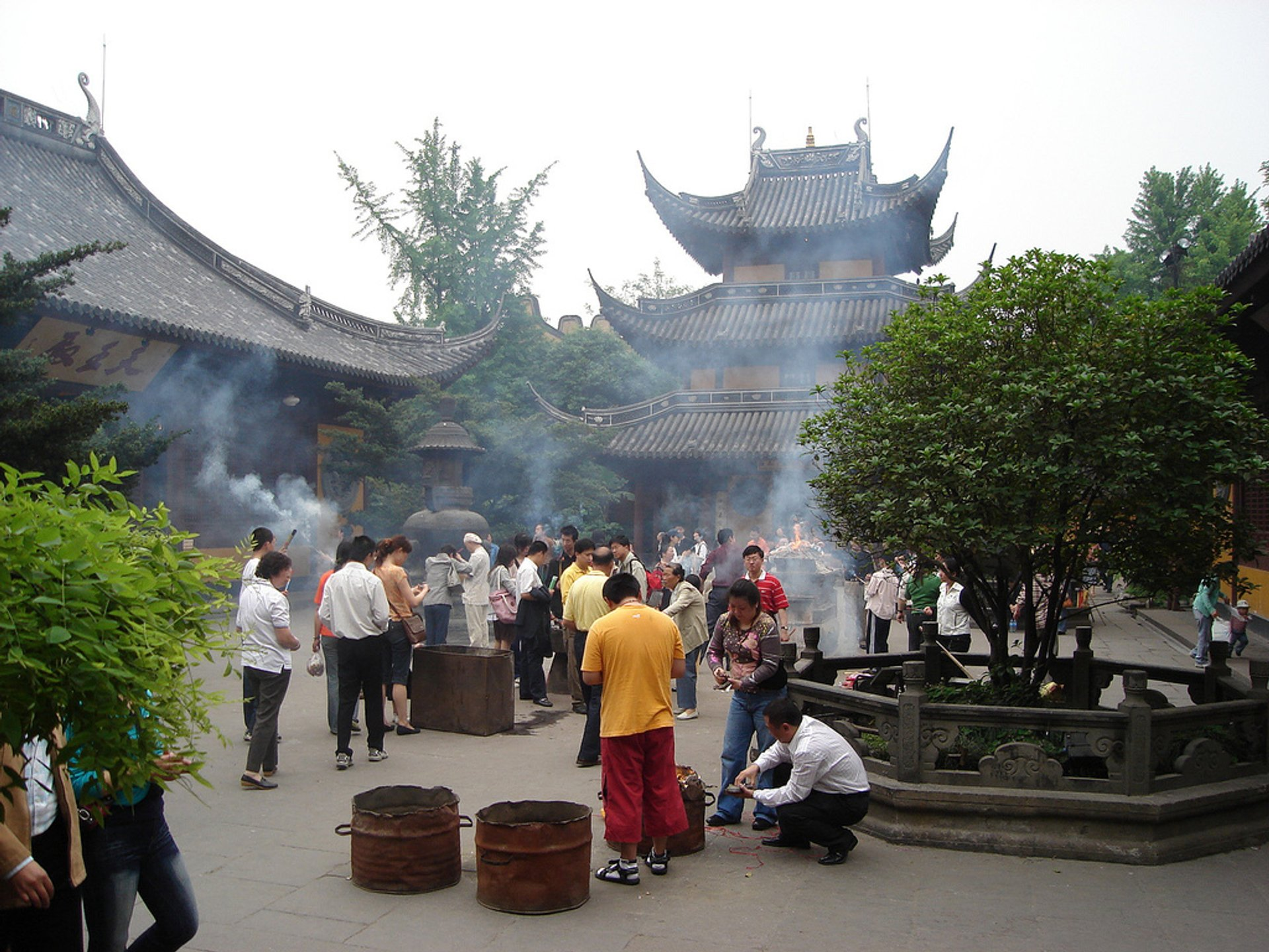 Longhua Temple Fair in Shanghai 2020 - Best Time