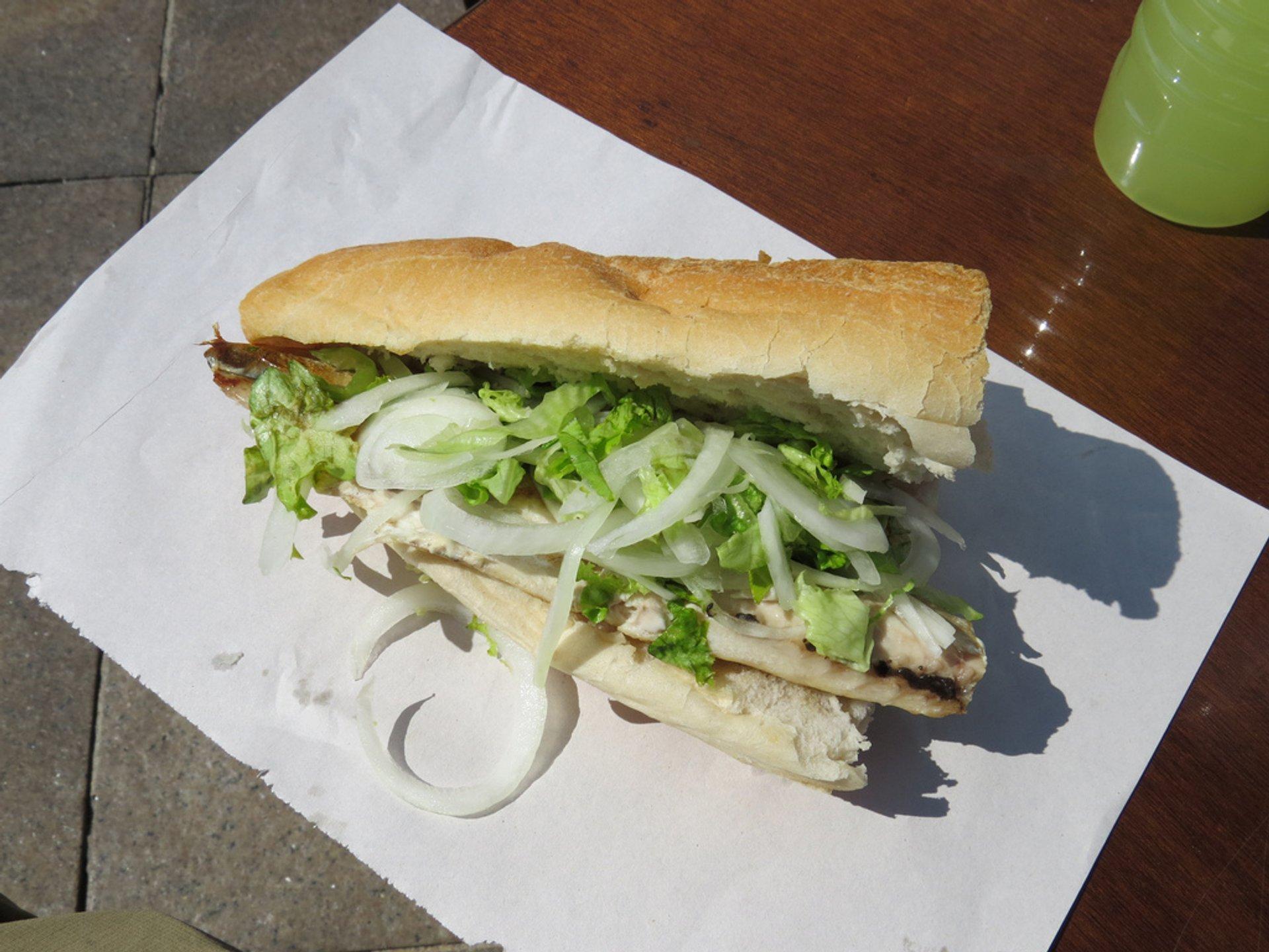Fish Sandwich (Balık-ekmek) in Istanbul 2019 - Best Time