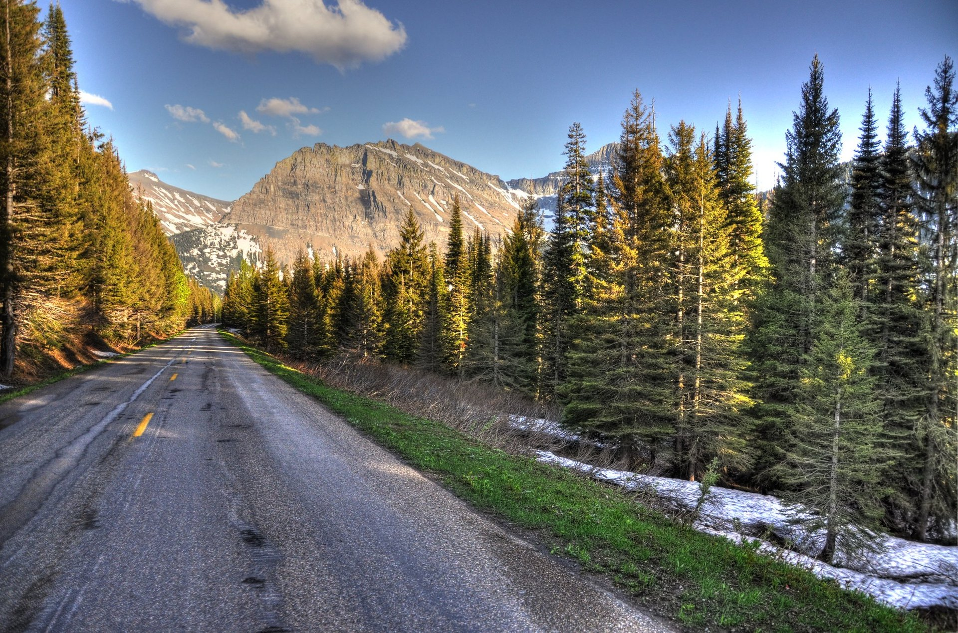 Going-to-the-Sun Road in Montana 2020 - Best Time