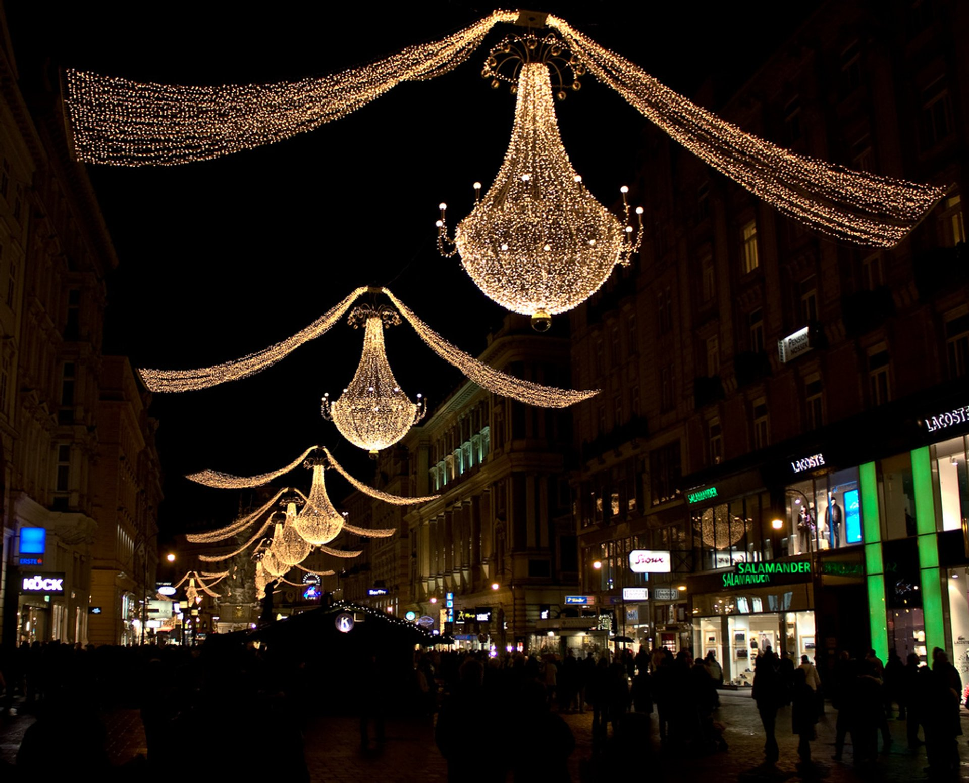 Christmas lights along the Graben 2019