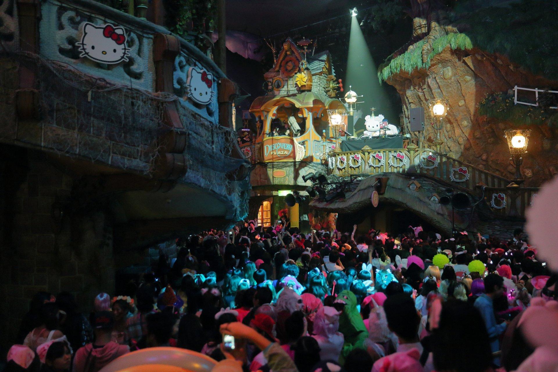 Sanrio Puroland Halloween 2020