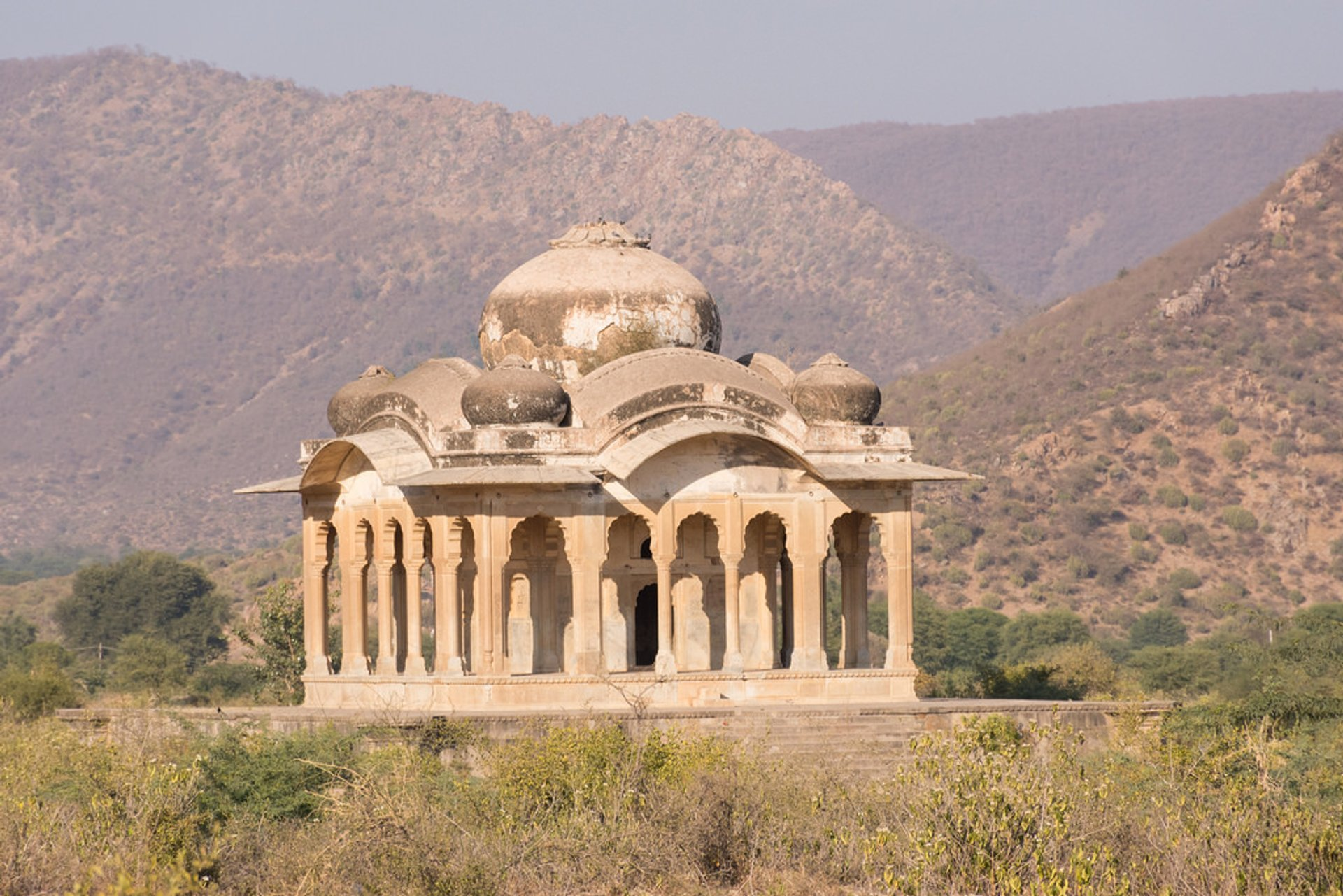 Best time to see Bhangarh Fort in India 2020