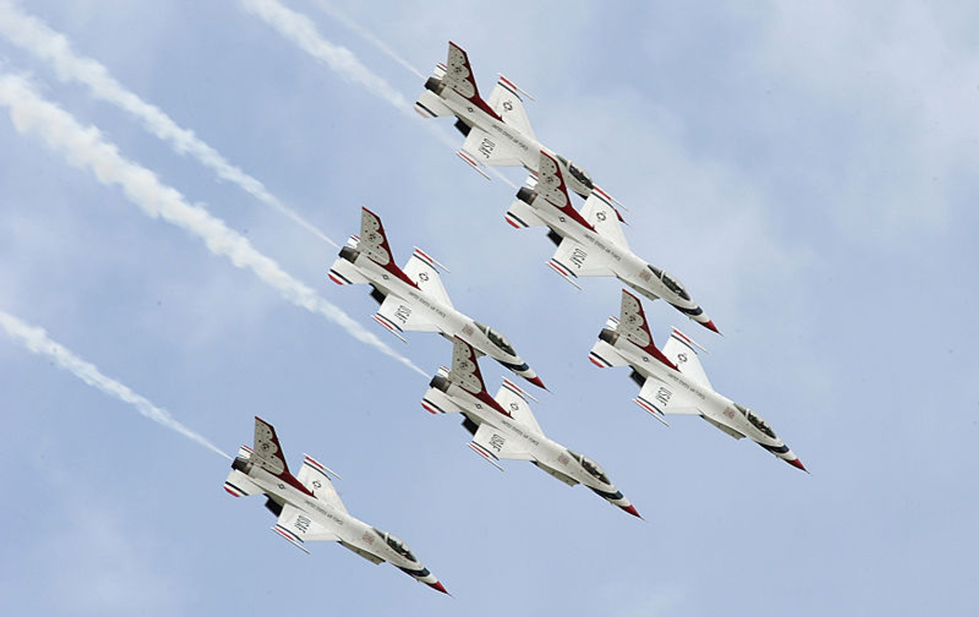 The U.S. Air Force Thunderbirds perform the Delta Roll 2020
