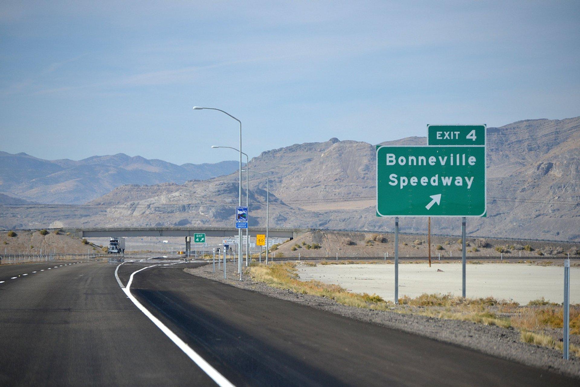 Dry Bonneville Salt Flats in Utah - Best Season 2020