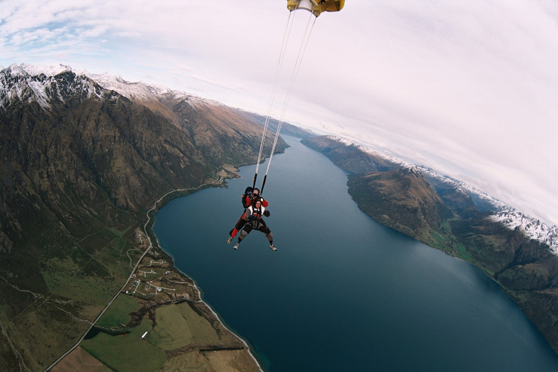 Sky diving in Quuenstown New Zealand 2020