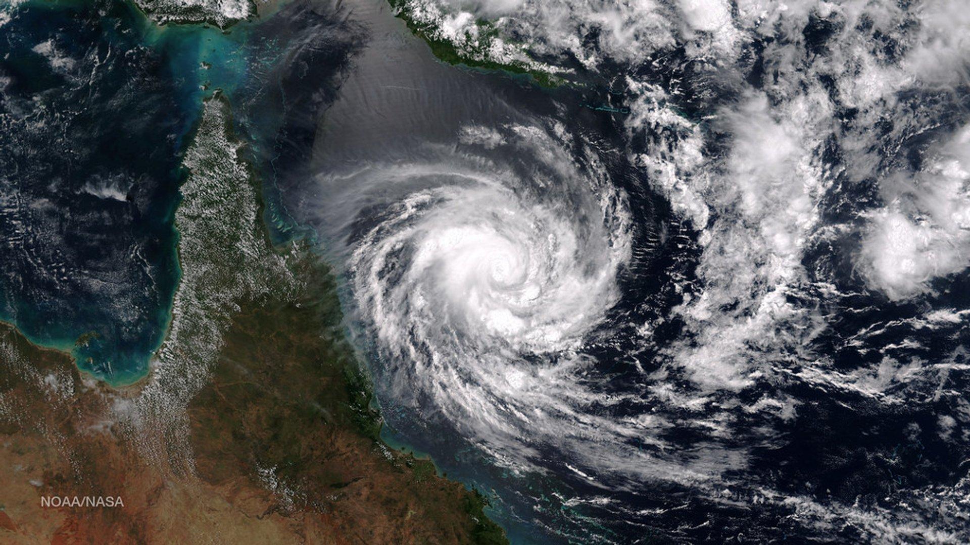 Tropical Cyclones in Great Barrier Reef - Best Season 2020