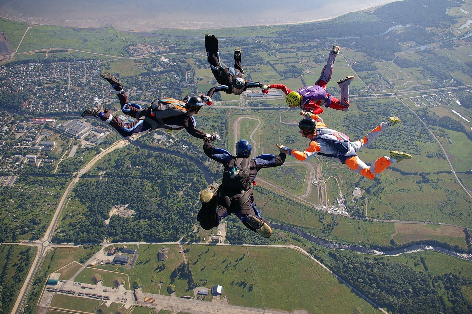 Skydiving in Estonia 2019 - Best Time