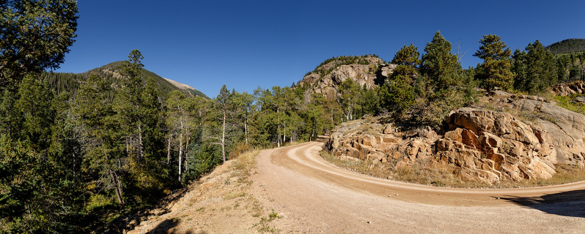 Best time to see Old Fall River Road in Colorado 2019
