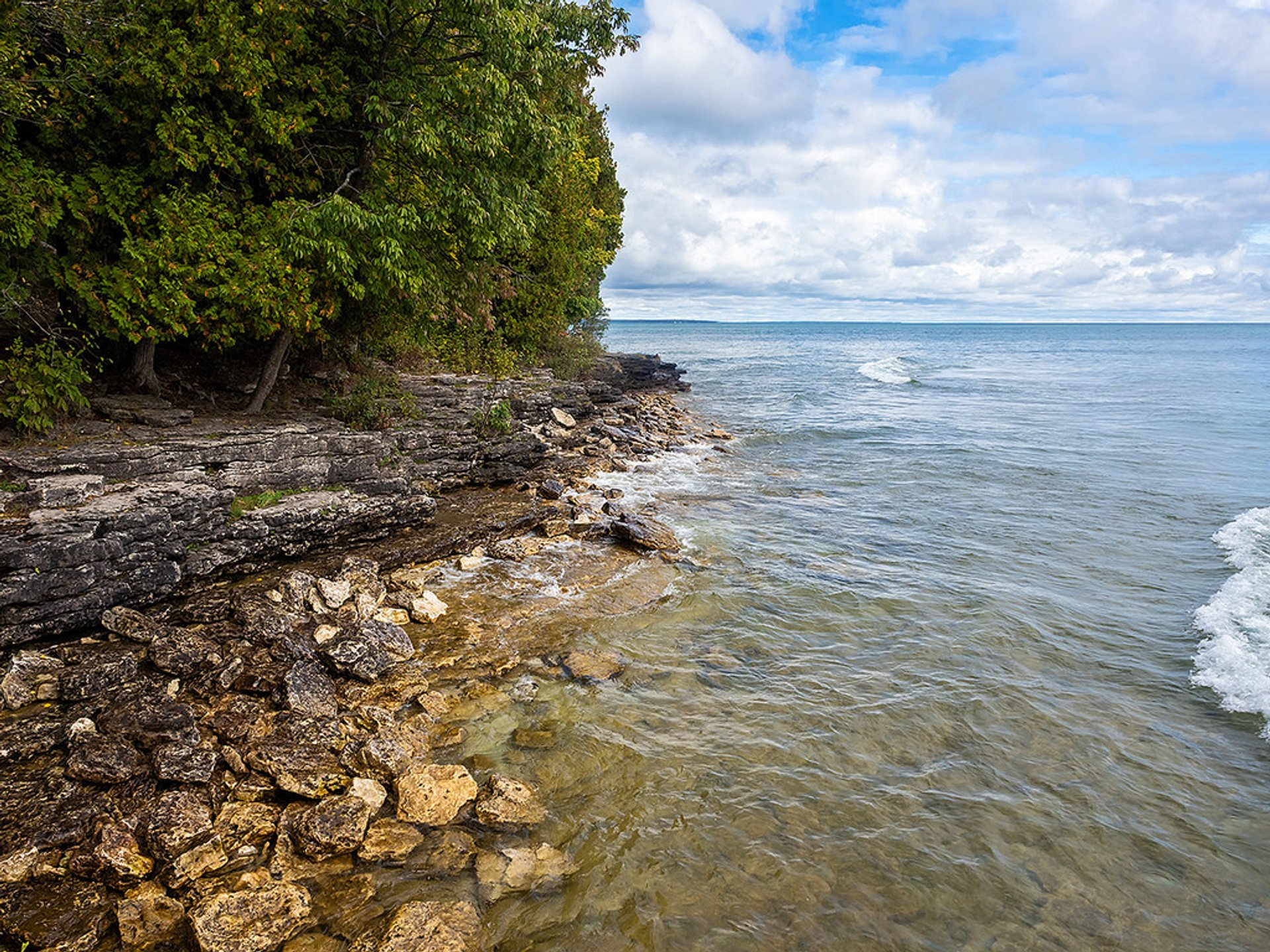 Cave Point County Park in Midwest - Best Season 2020