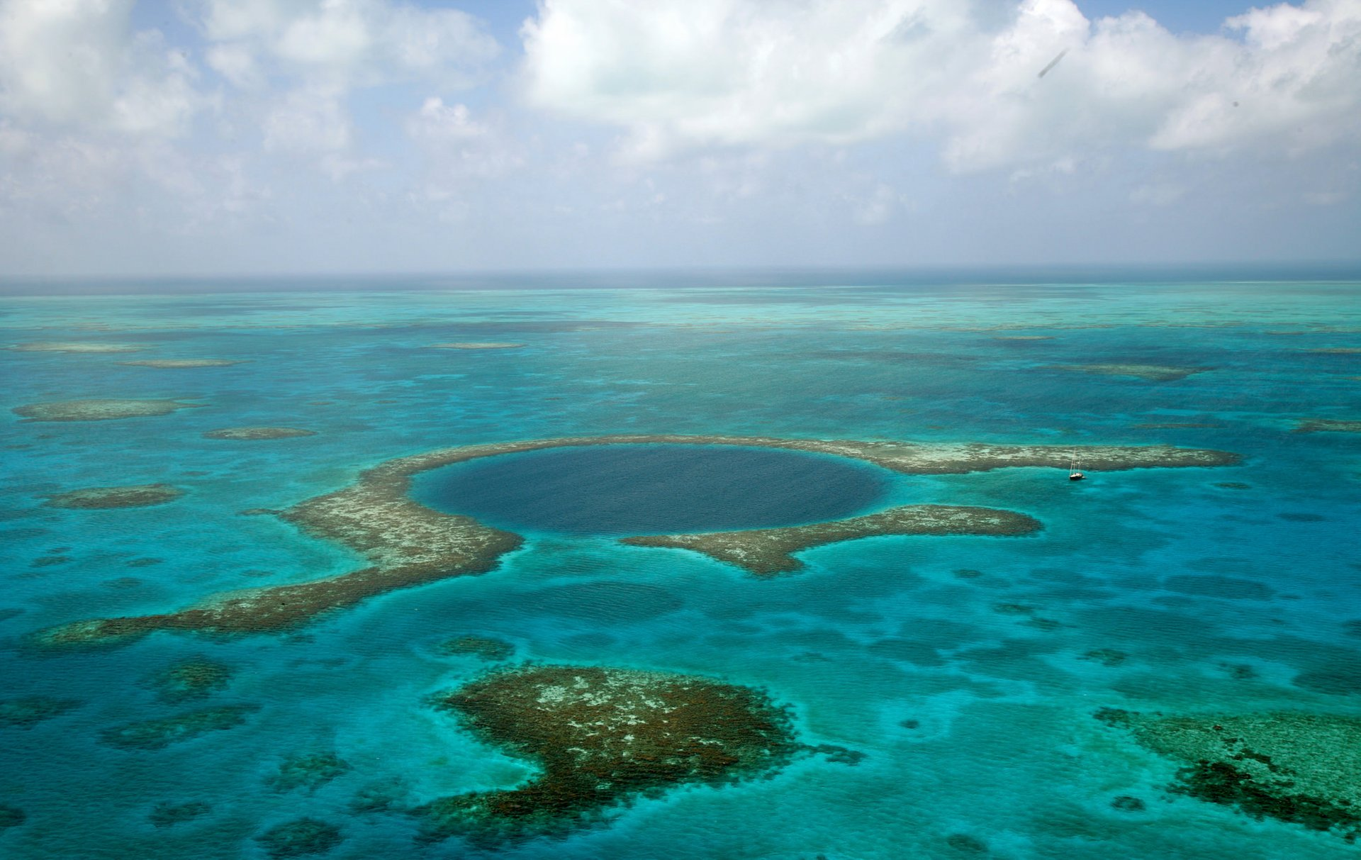 Great Blue Hole in Belize 2020 - Best Time