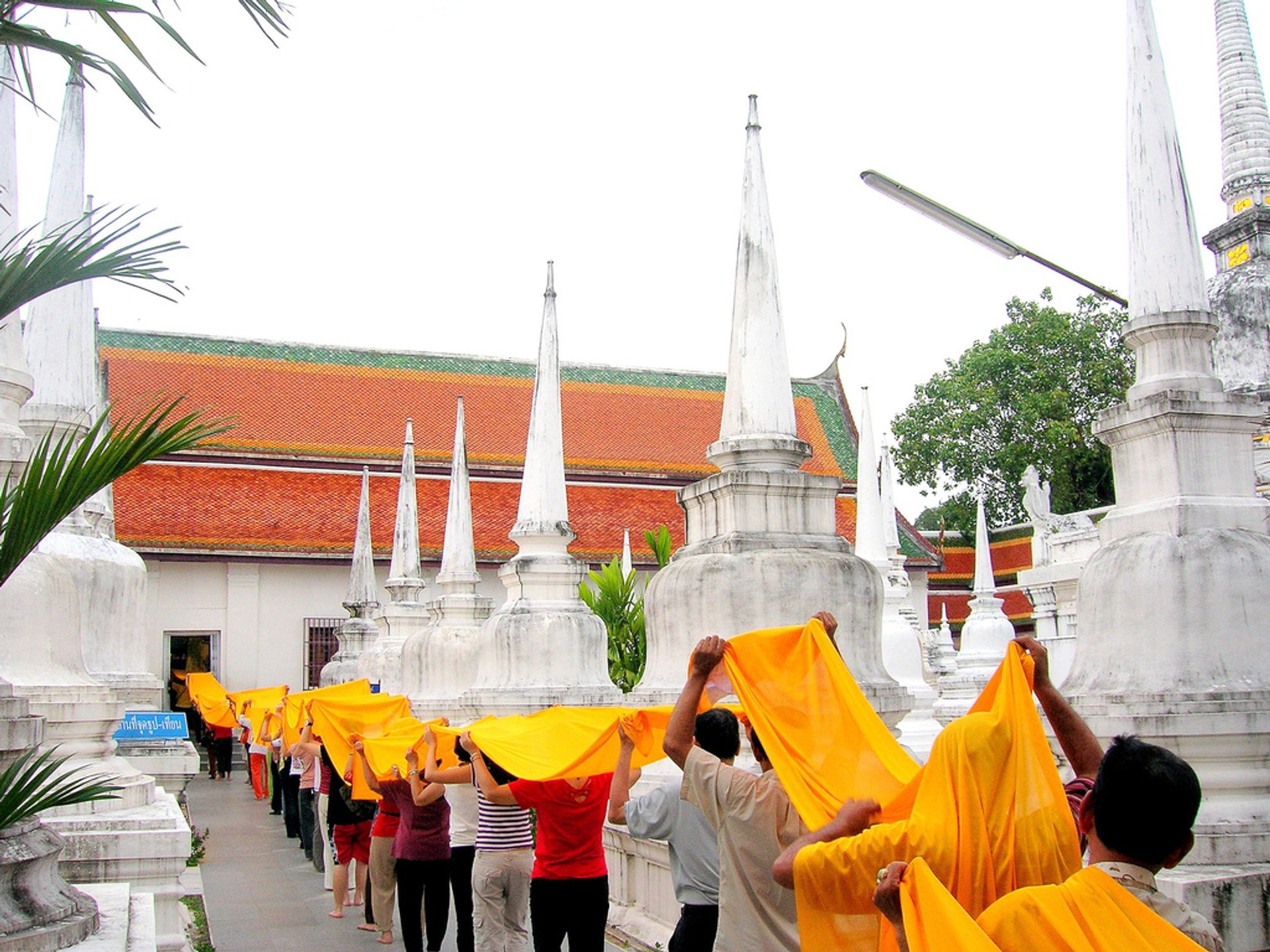 Thod Kathin Robes Offering Ceremony in Thailand 2019 - Best Time