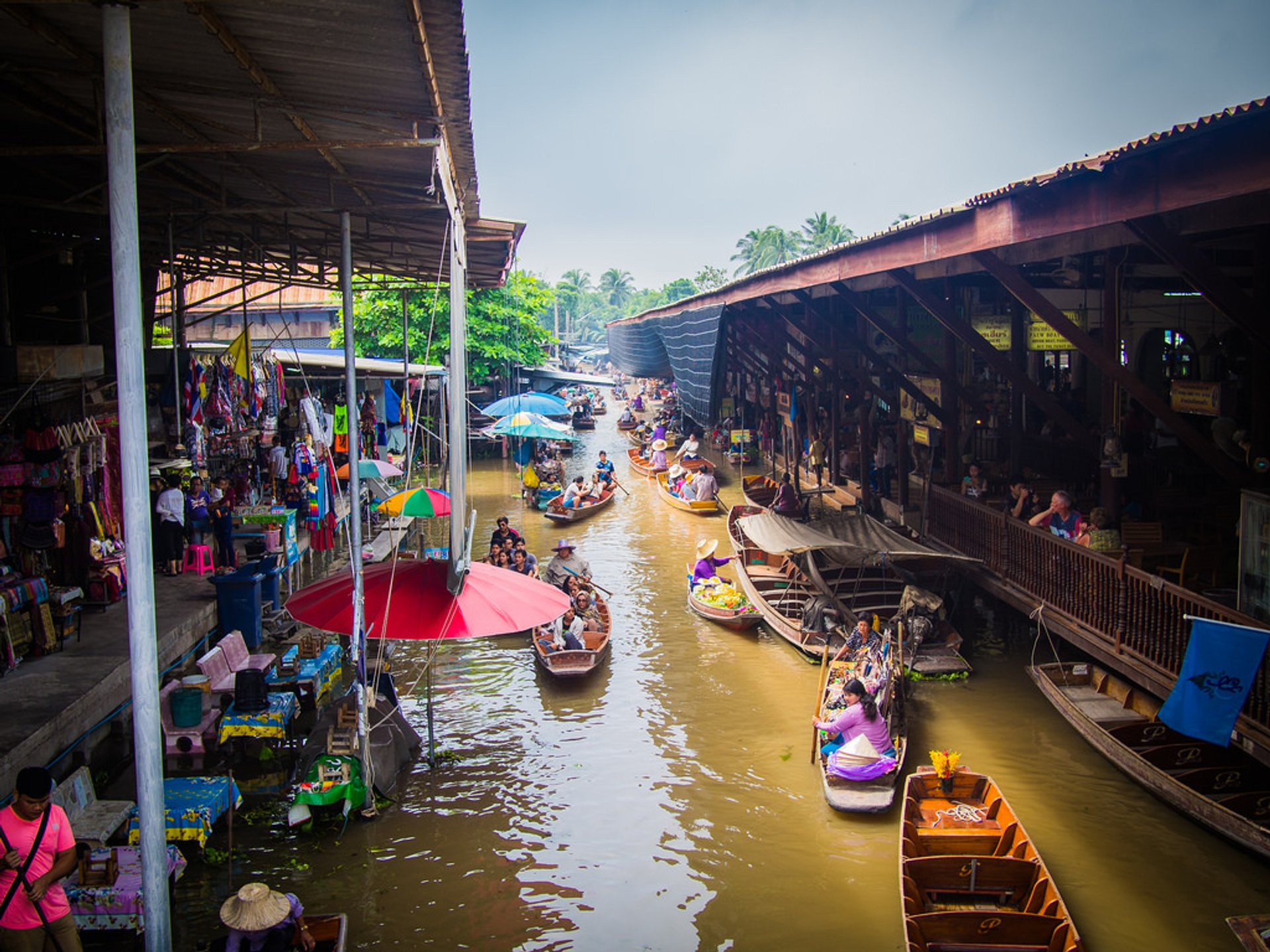 Damnoen Saduak floating market 2020