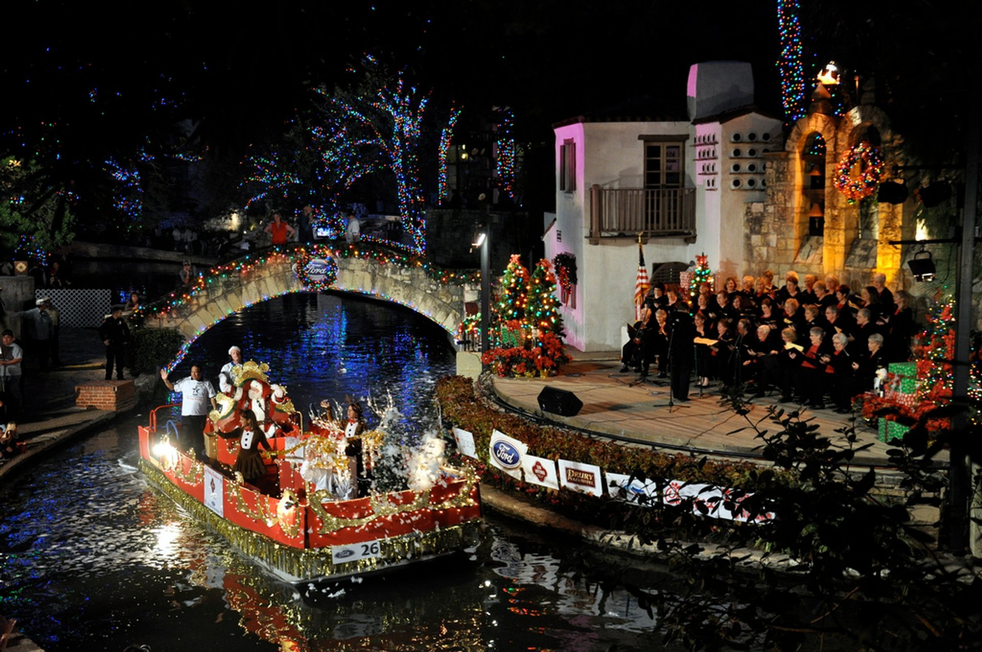 Ford Holiday River Parade in Texas - Best Time