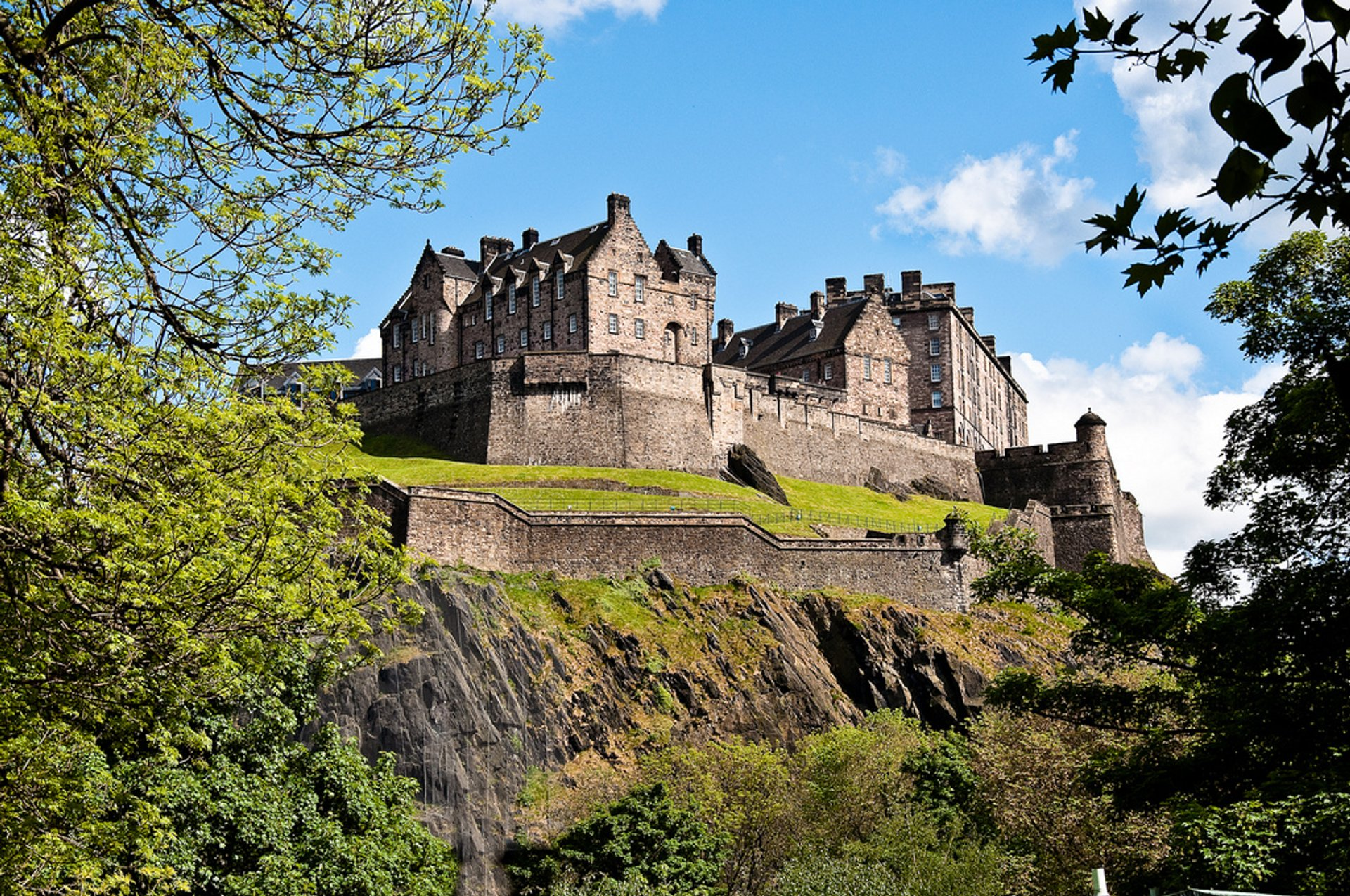 Edinburgh Castle in Edinburgh 2019 - Best Time