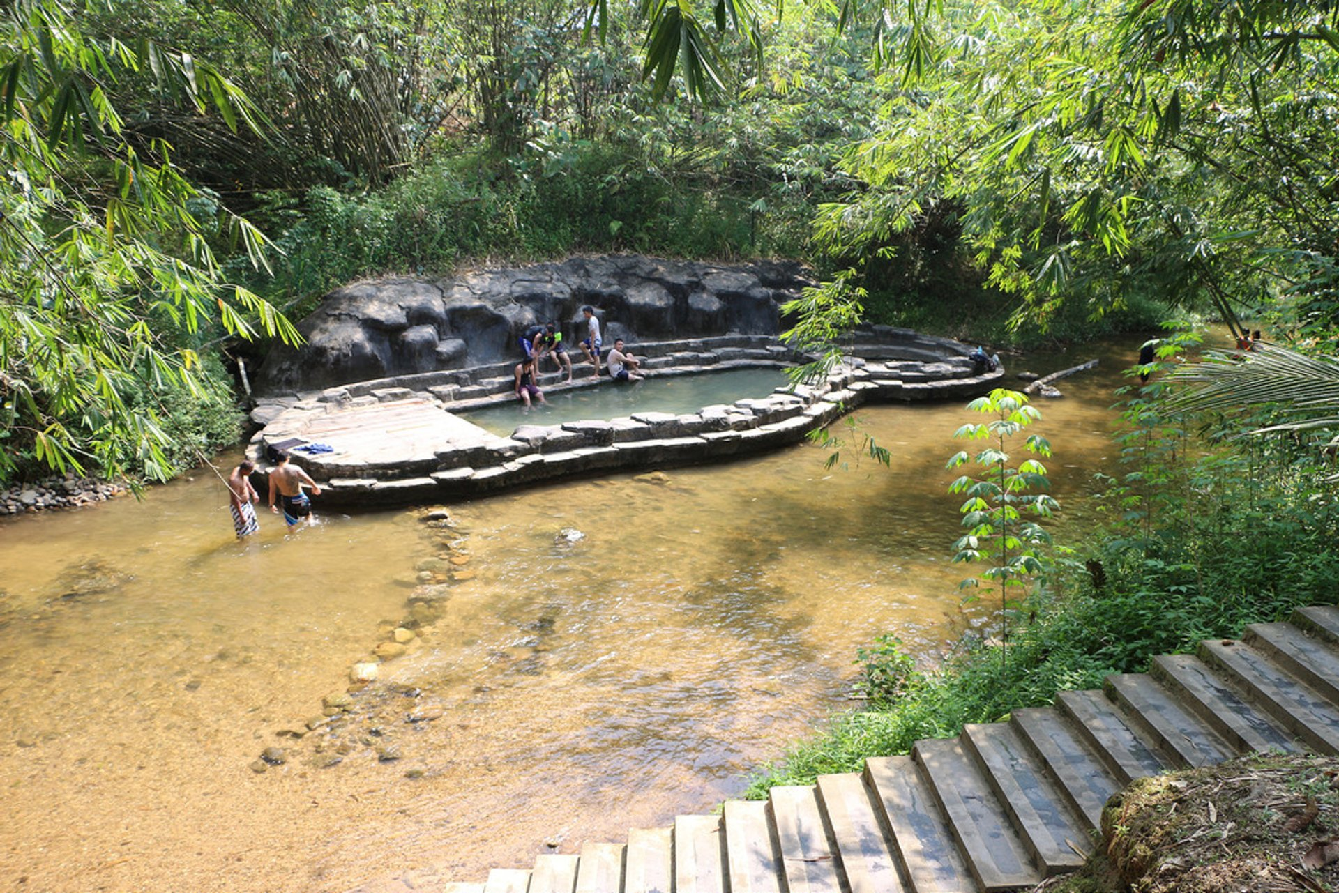 Hot springs near the Annah Rais longhouse 2019
