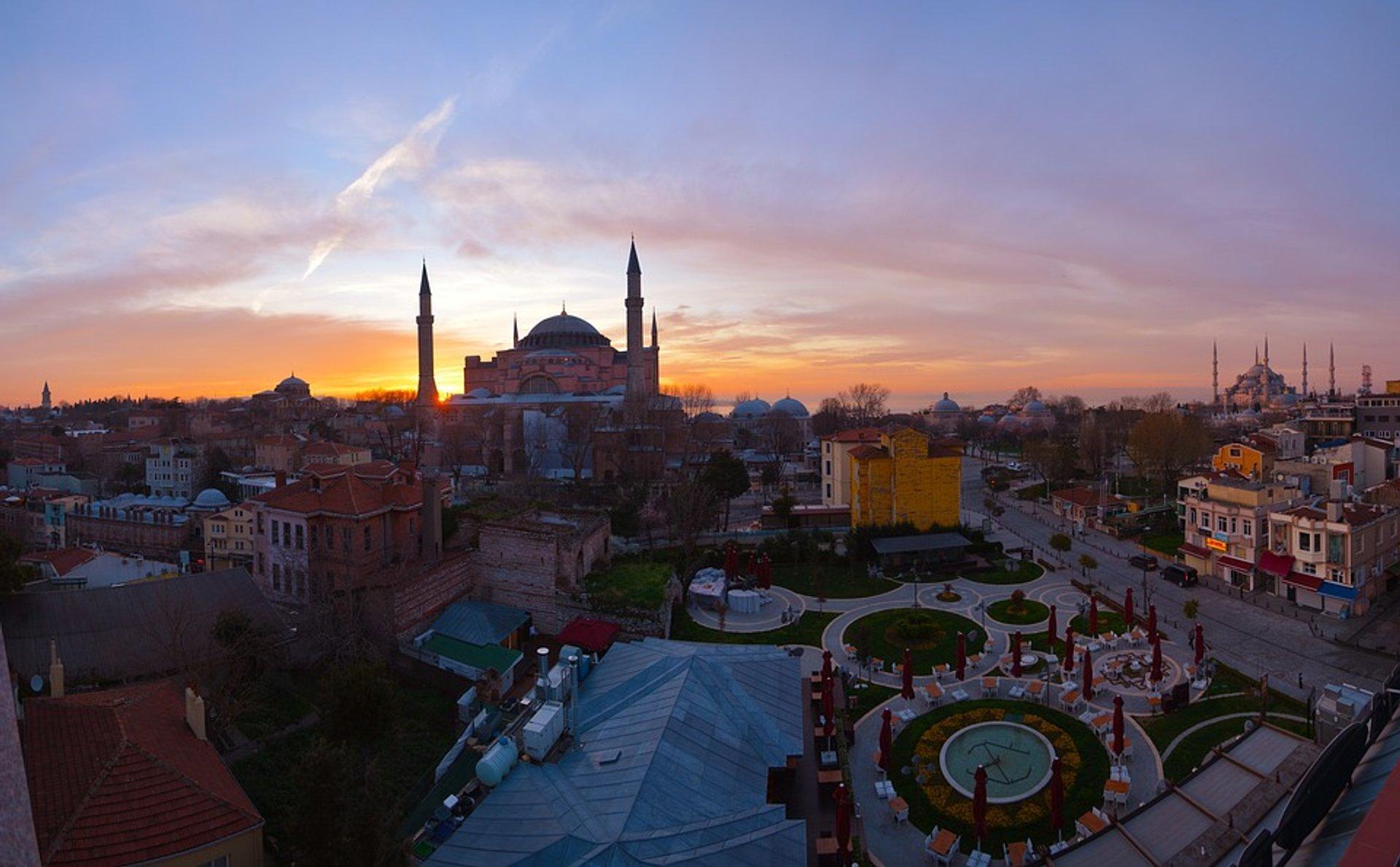 Hagia Sophia (Ayasofya) in Istanbul - Best Season 2020