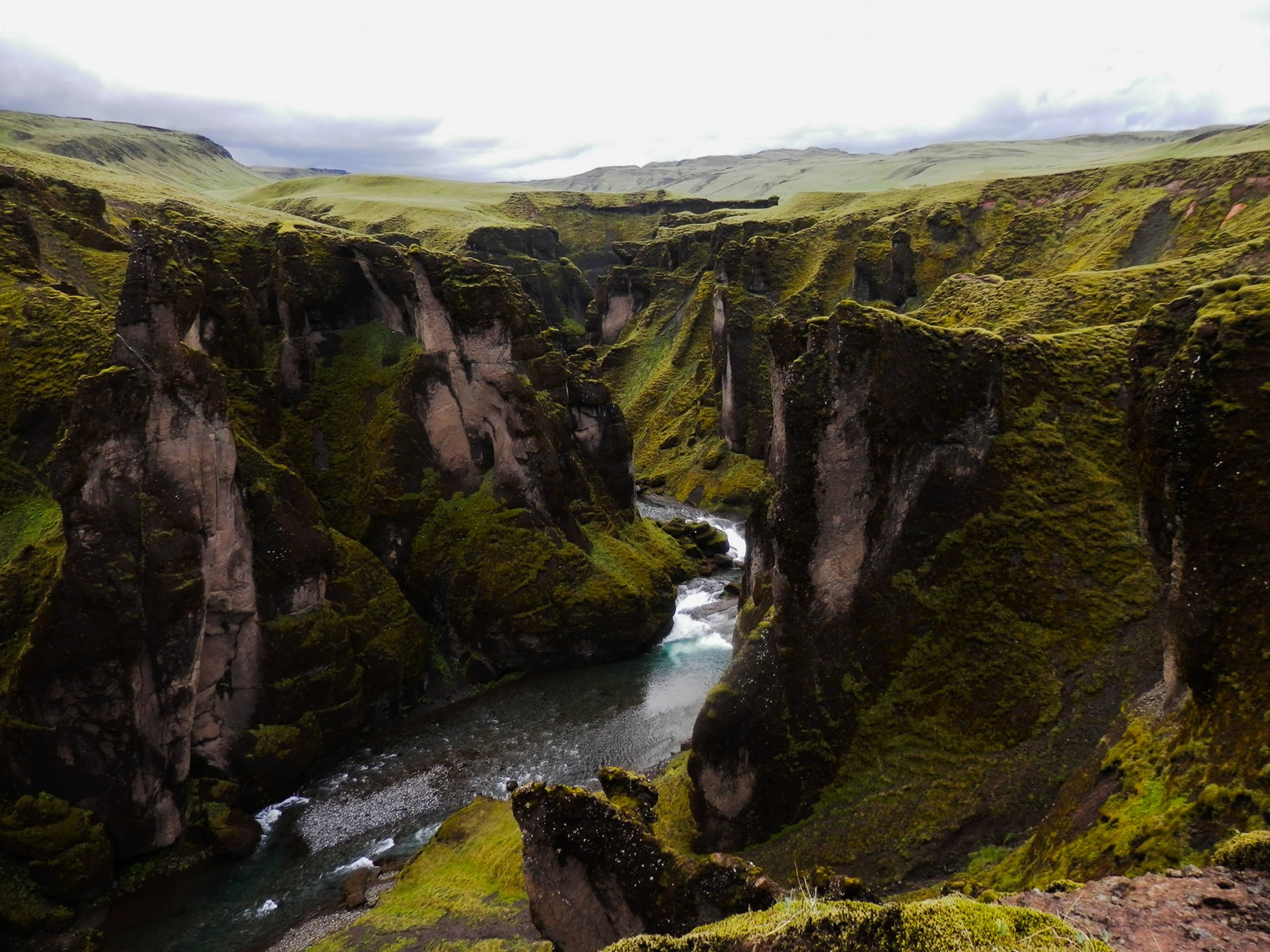 Fjaðrárgljúfur Canyon in Iceland 2020 - Best Time