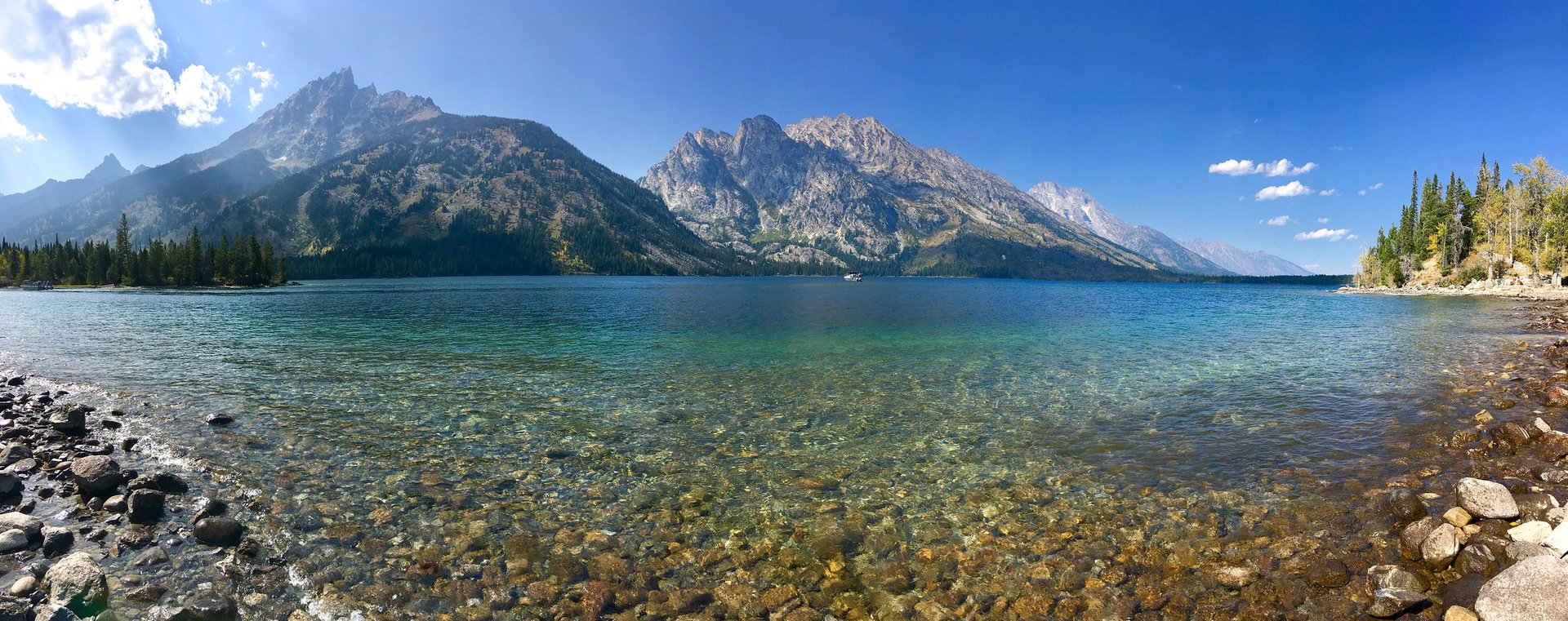 Panorama of Jenny Lake at Grand Teton National Park 2020