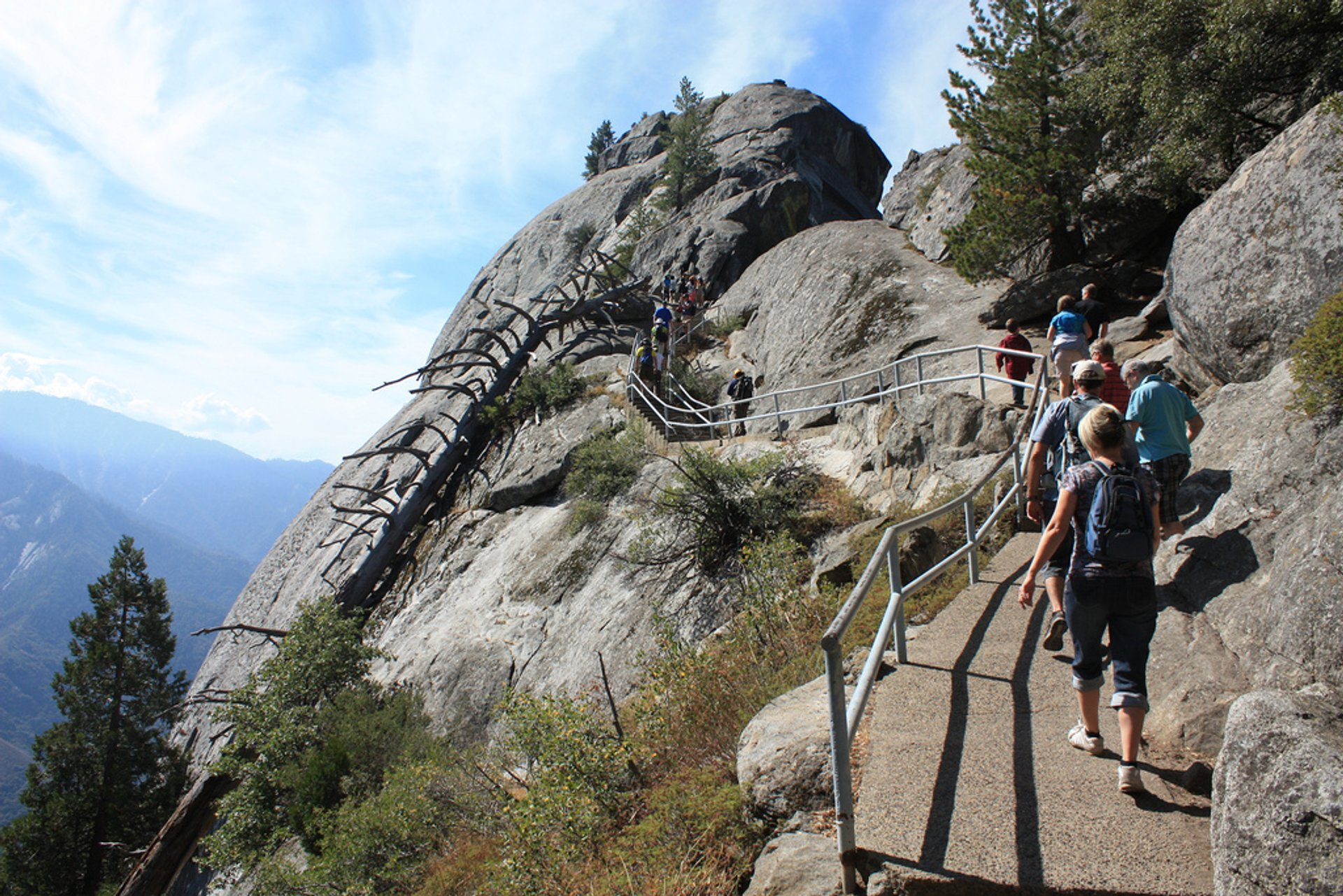 Moro Rock Hike in California 2019 - Best Time
