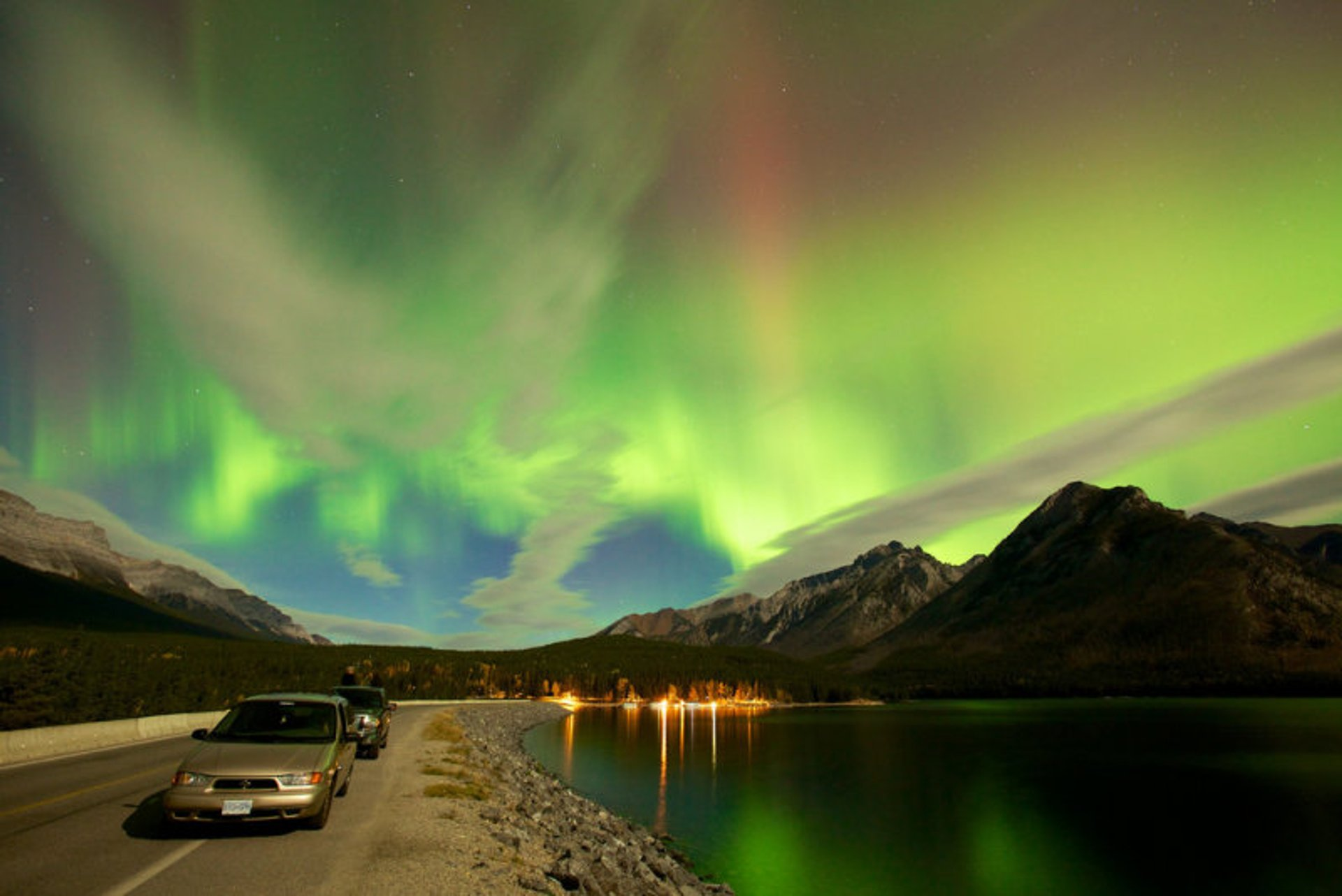 Best time for Northern Lights  in Calgary 2020