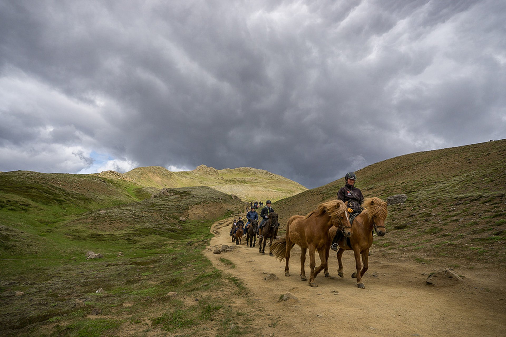 Horse riding in the valley Reykjadalur 2020