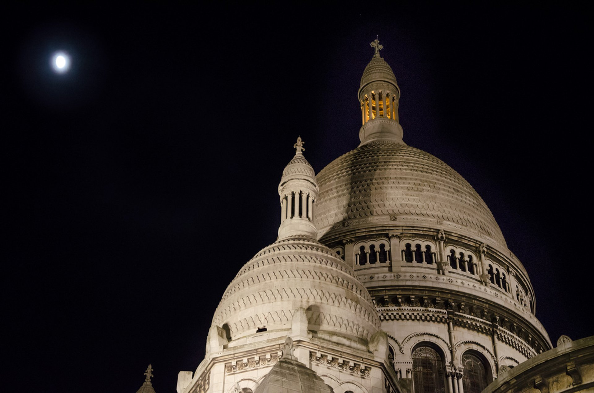 Summer Nights at Sacré Cœur in Paris 2020 - Best Time